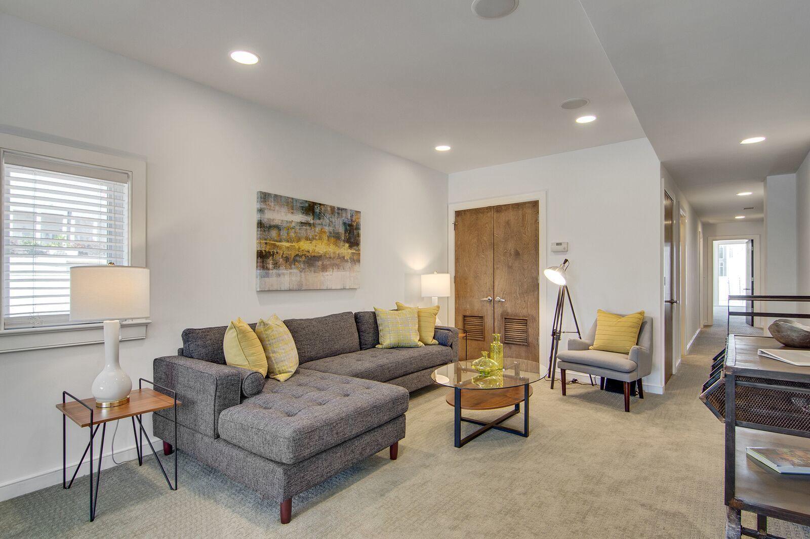 Homes For Sale - 487 King, Charleston, SC - 34
