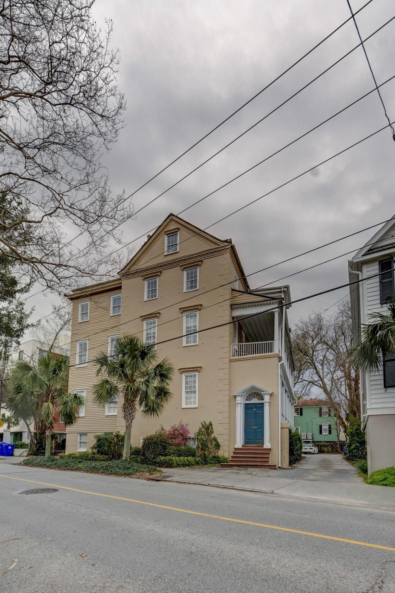 65 Vanderhorst Street UNIT H Charleston, SC 29403
