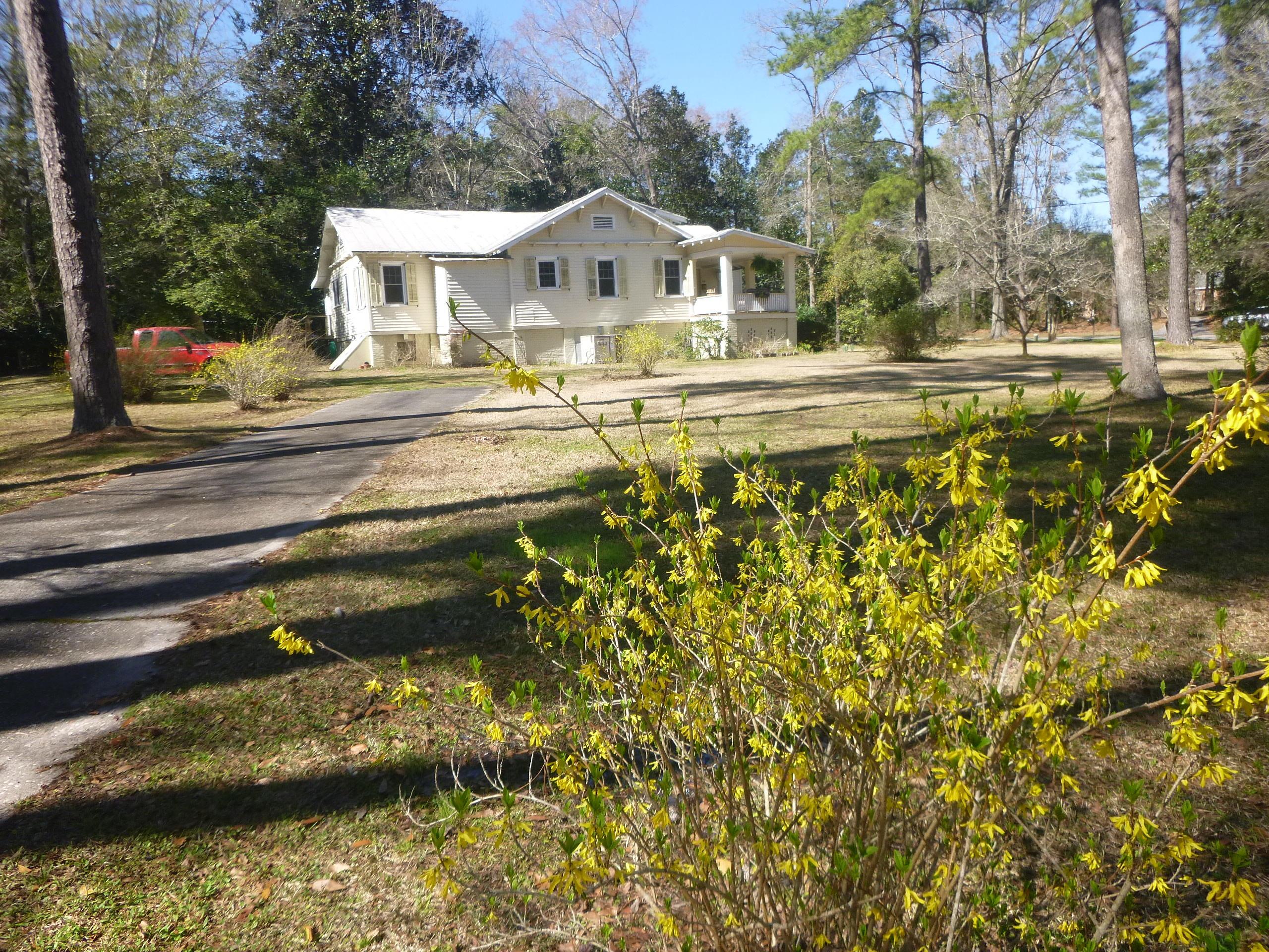 404 W Richardson Avenue Summerville, SC 29483