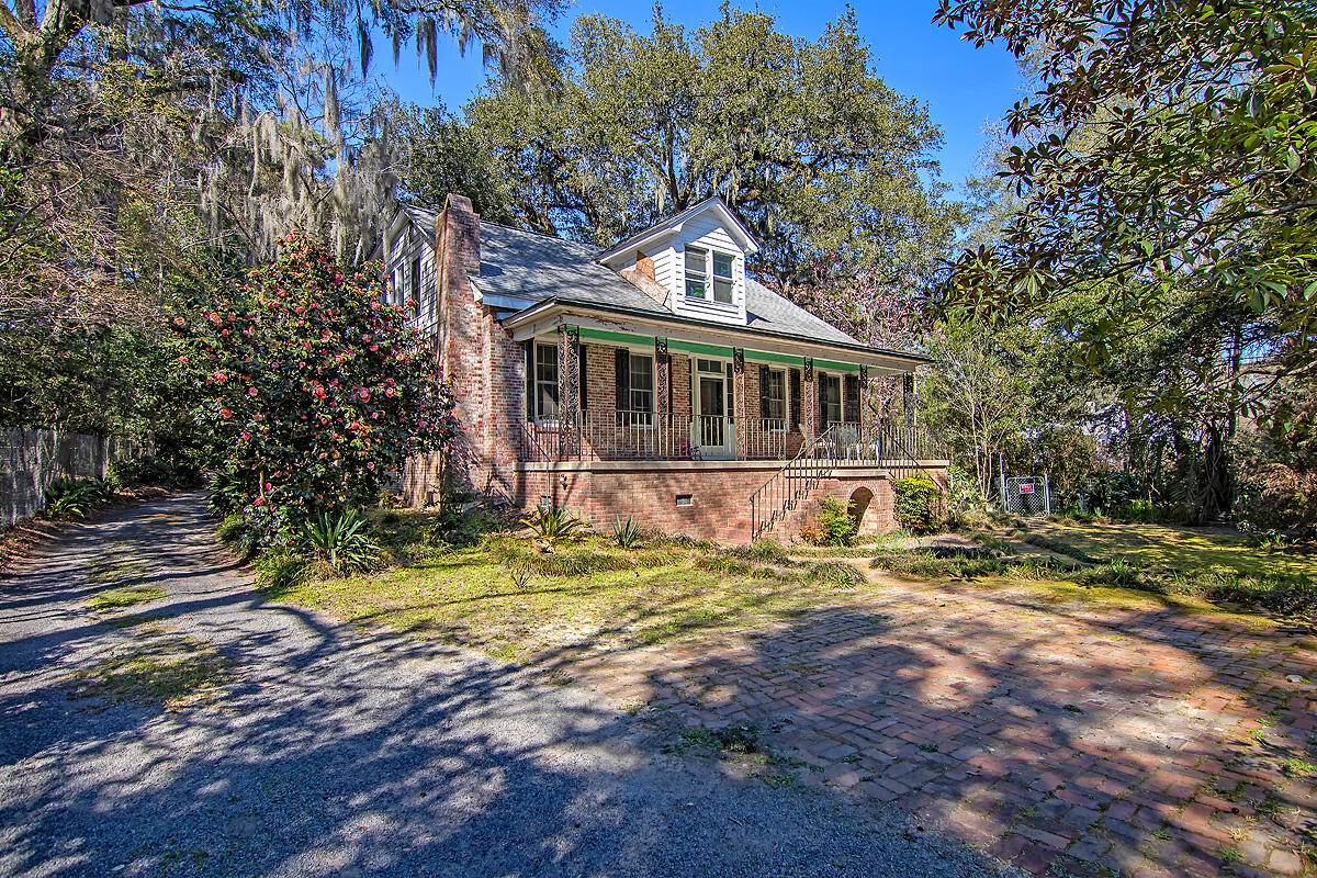 418 Central Avenue Summerville, SC 29483