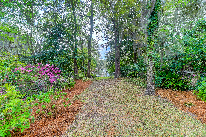 325 Hobcaw Drive Mount Pleasant, SC 29464