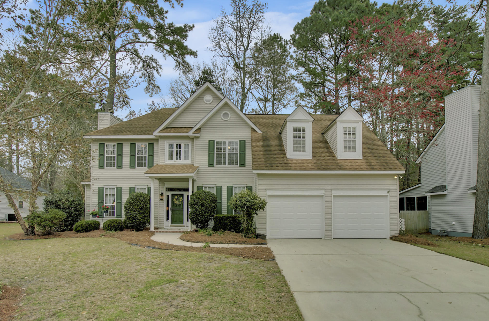 607 Fairway Forest Drive Summerville, SC 29485