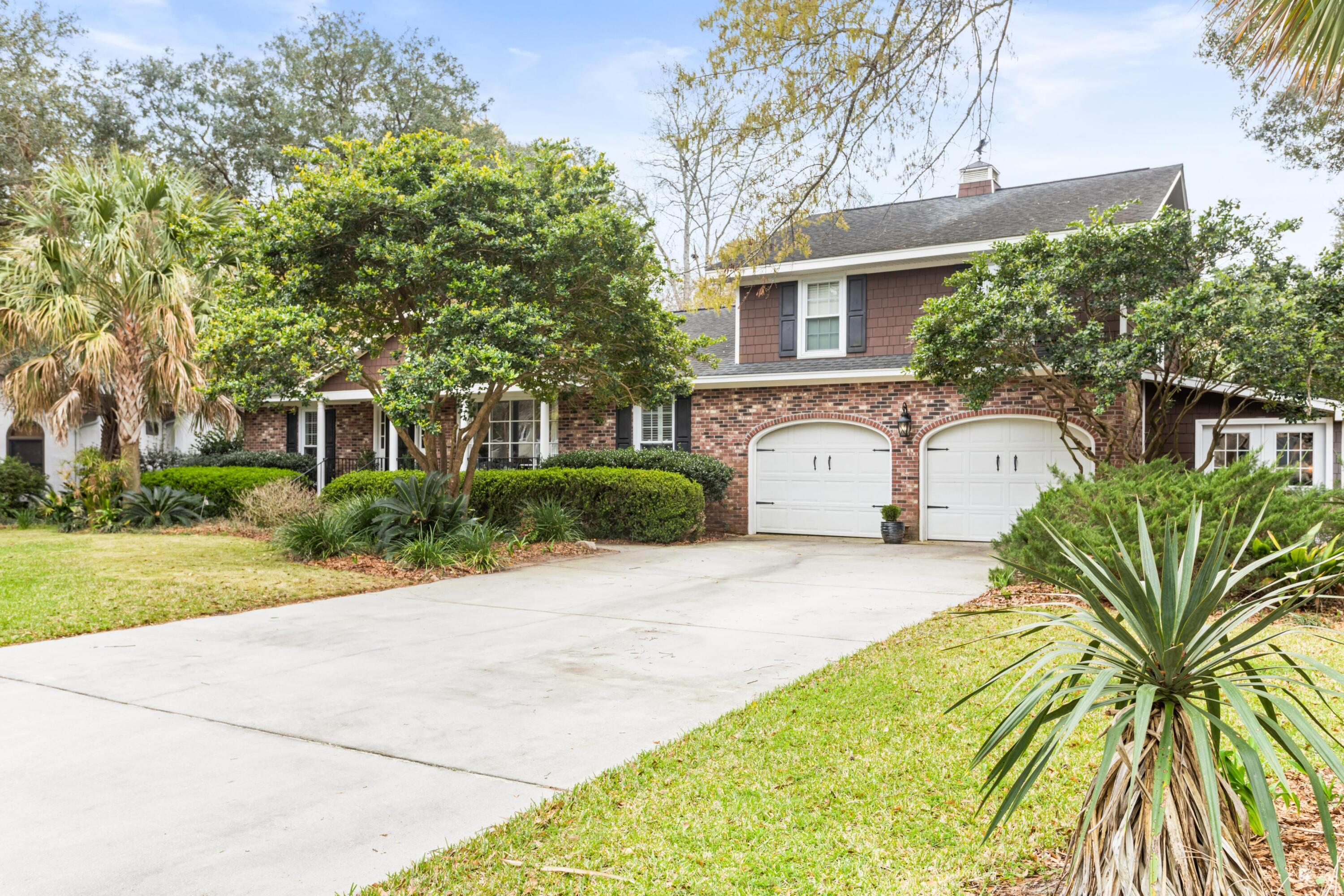 Snee Farm Homes For Sale - 1029 Governors, Mount Pleasant, SC - 2