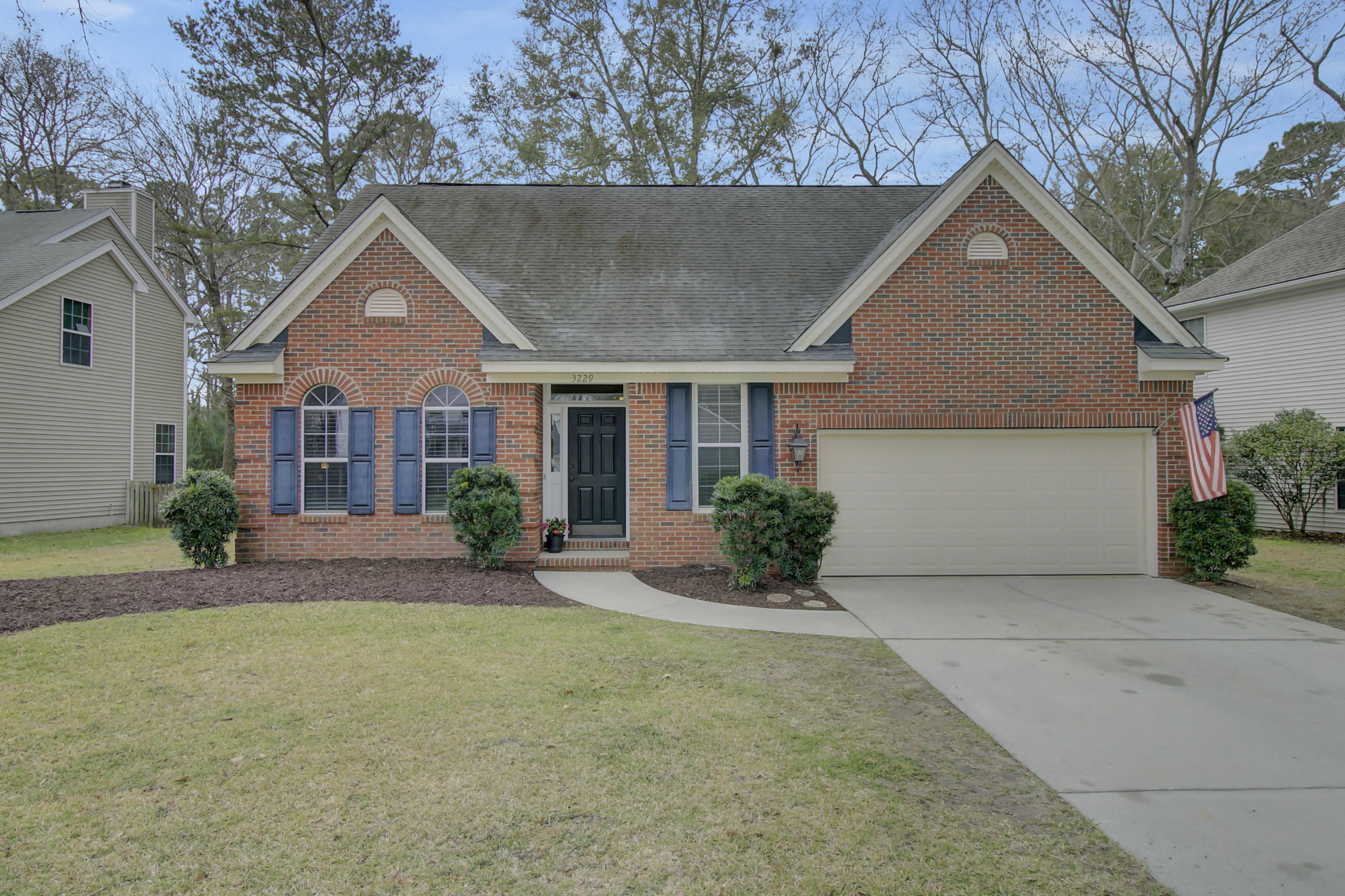3229 Heathland Way Mount Pleasant, SC 29466