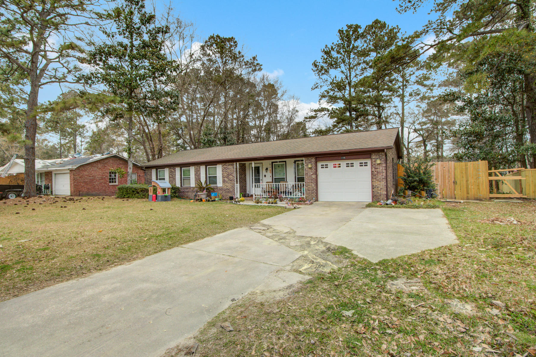 106 Lionel Lane Summerville, SC 29483