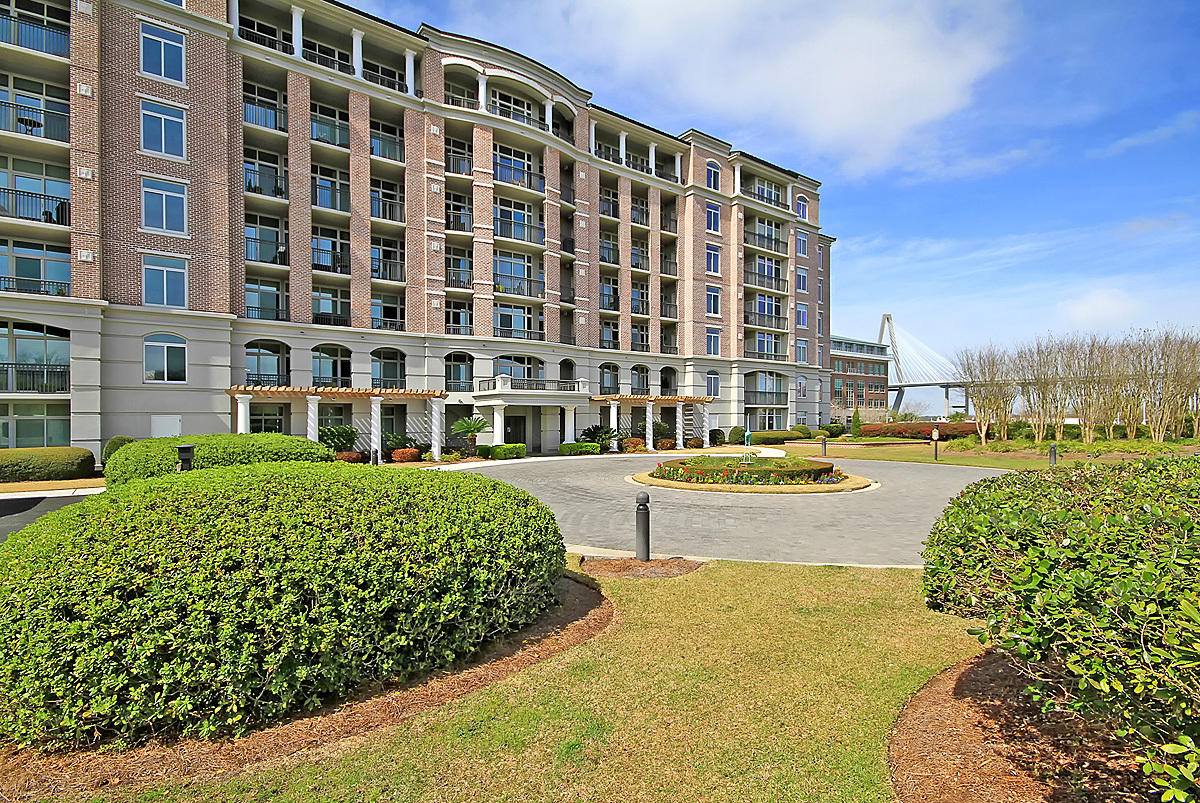 121 N Plaza Court Mount Pleasant, SC 29464