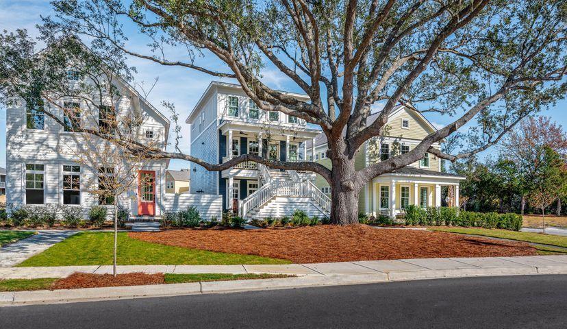 Snee Farm Homes For Sale - 1076 Cinder, Mount Pleasant, SC - 2