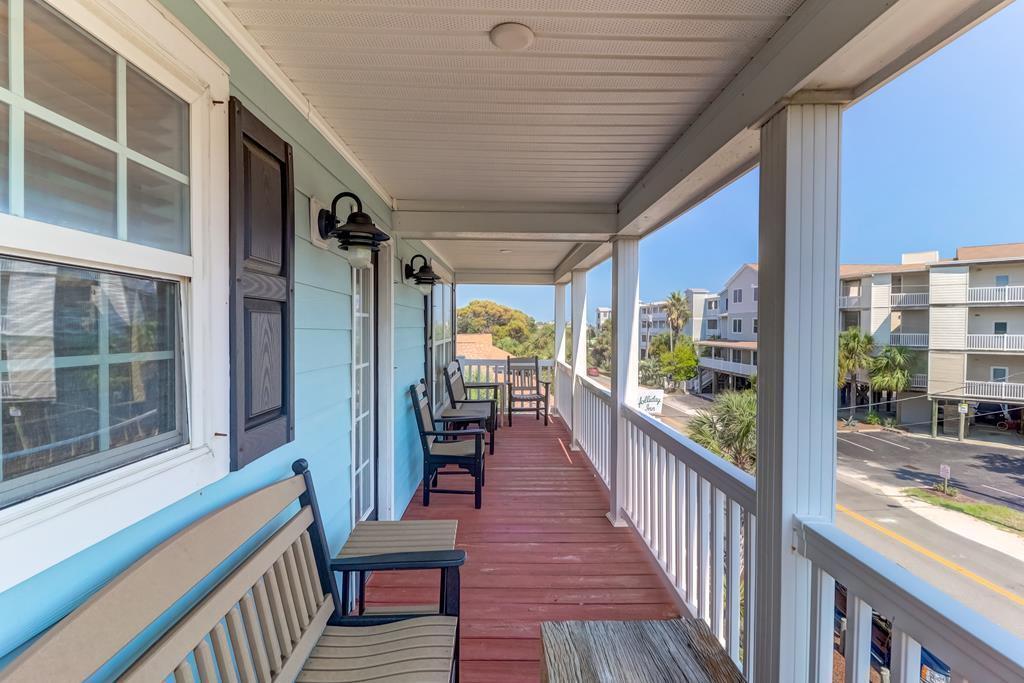 118 W Ashley Avenue Folly Beach, SC 29439
