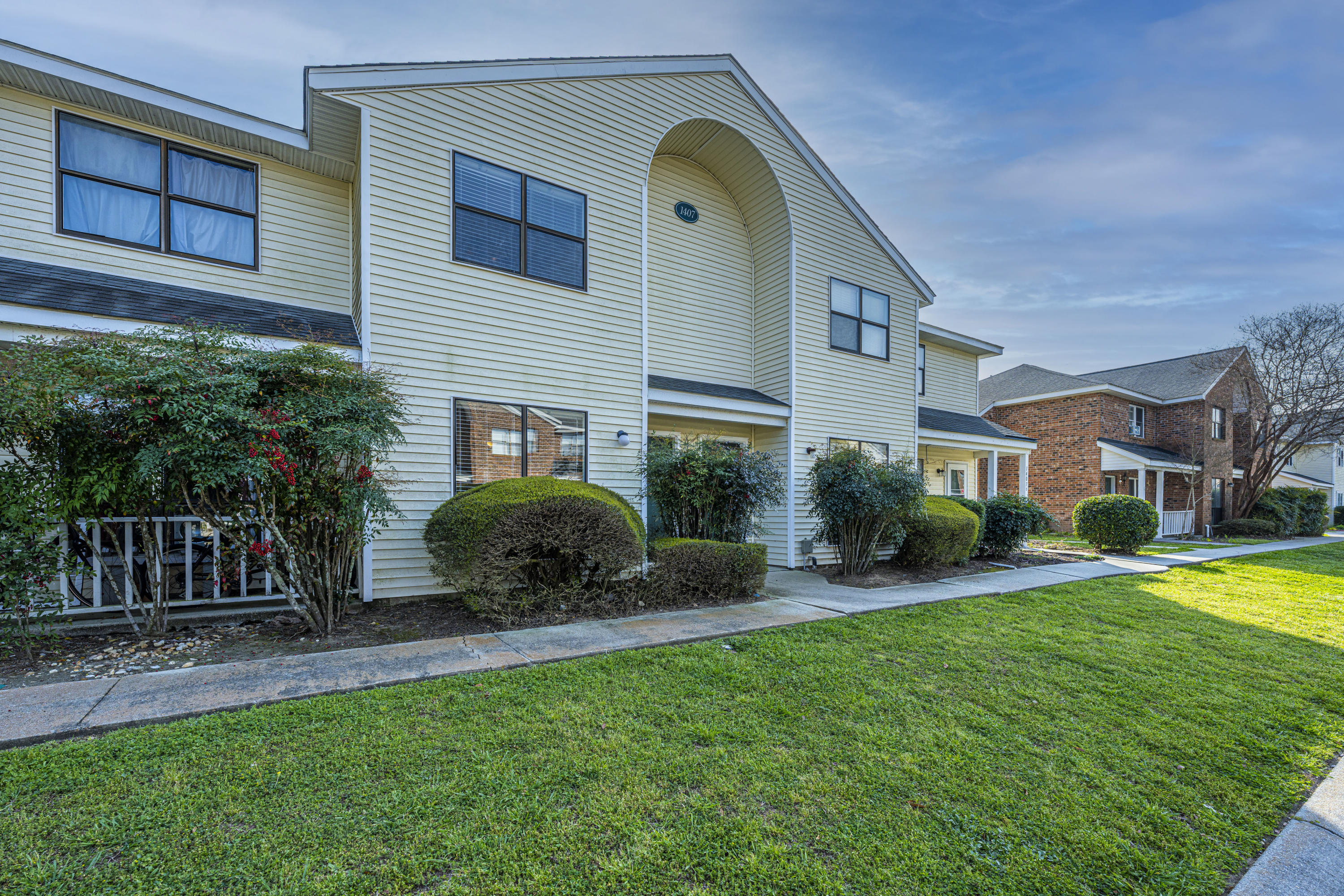 1407 Dove Run UNIT B Charleston, SC 29412