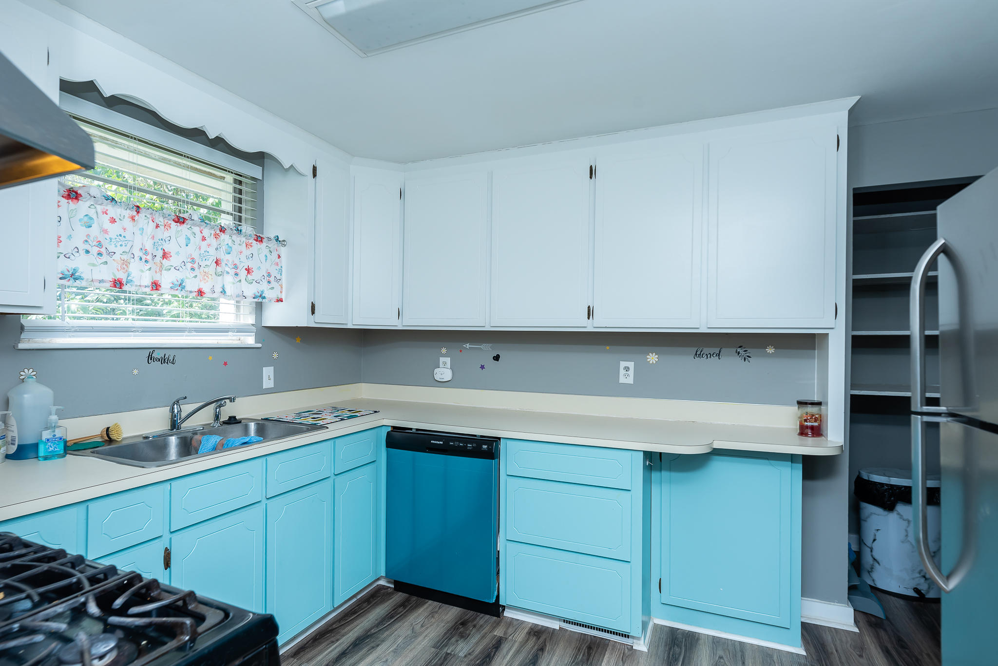 Ardmore Homes For Sale - 826 White Oak, Charleston, SC - 3