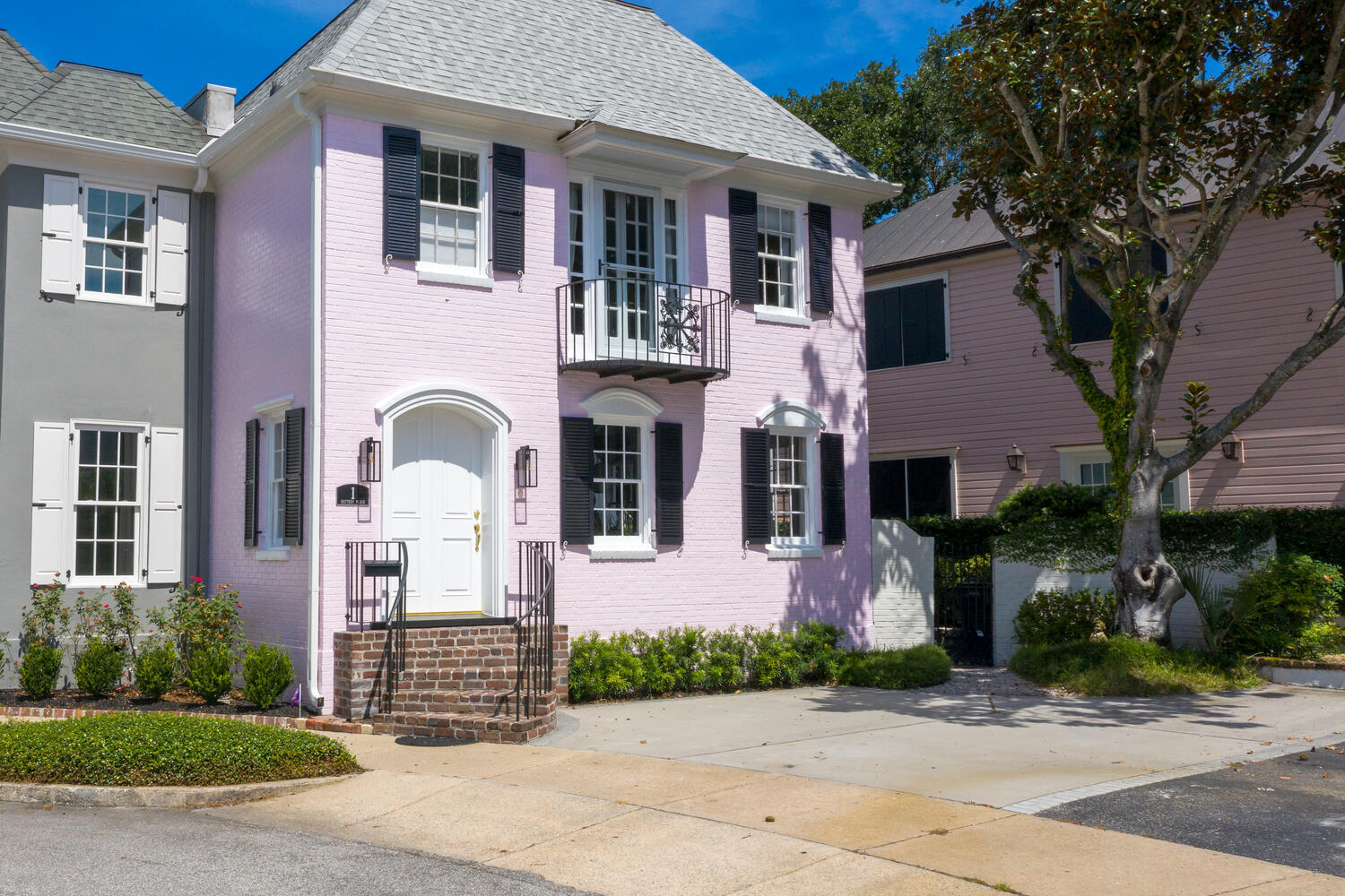 1 Battery Place Charleston, SC 29401