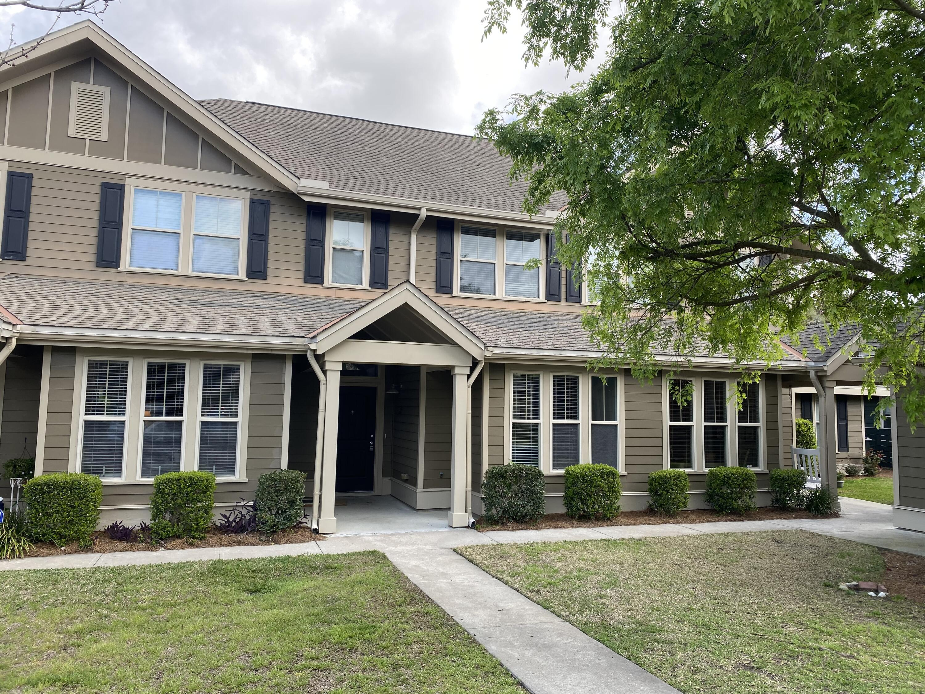5514 Colonial Chatsworth Circle North Charleston, SC 29418