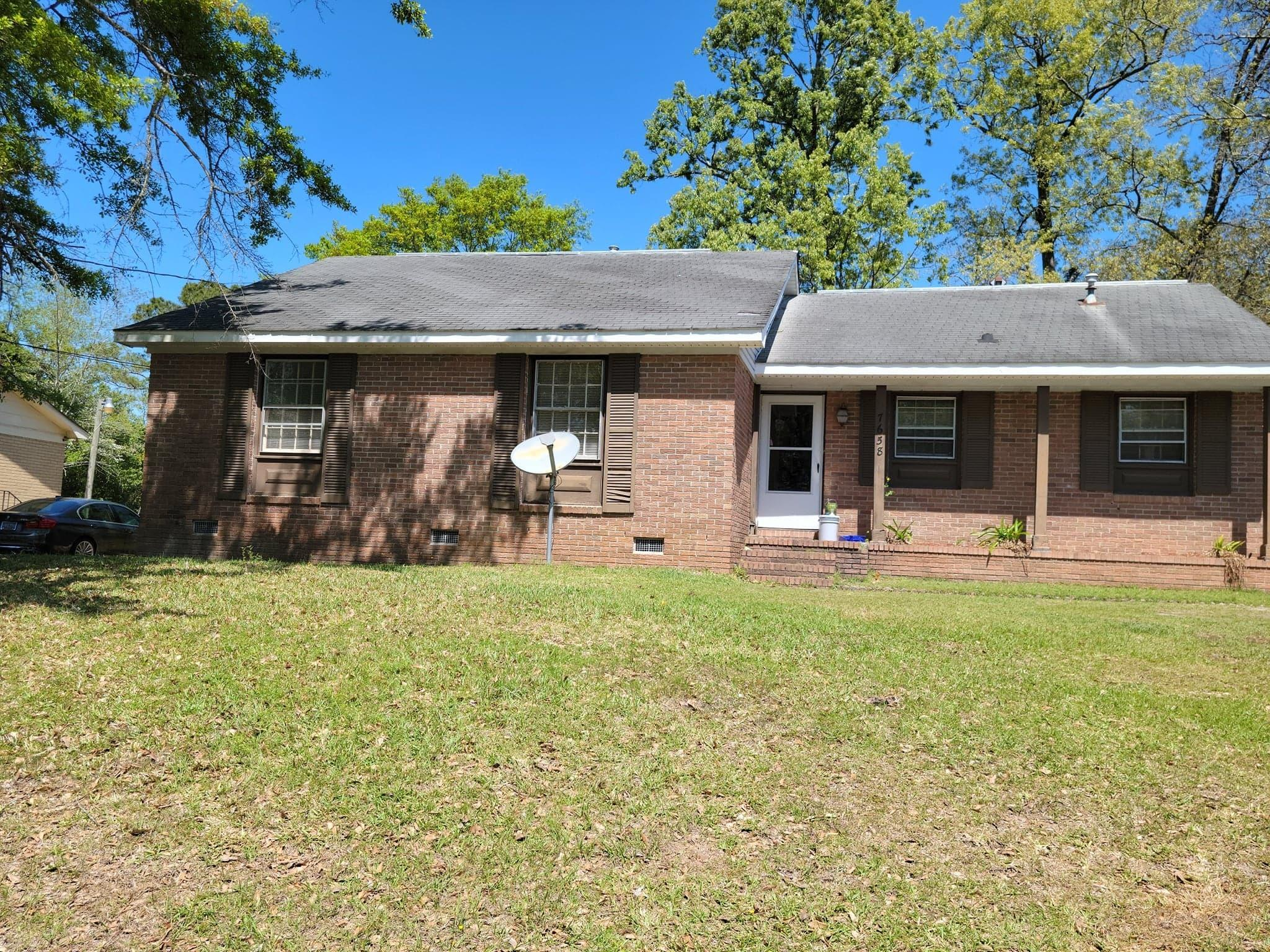 7658 Hillandale Road North Charleston, SC 29420