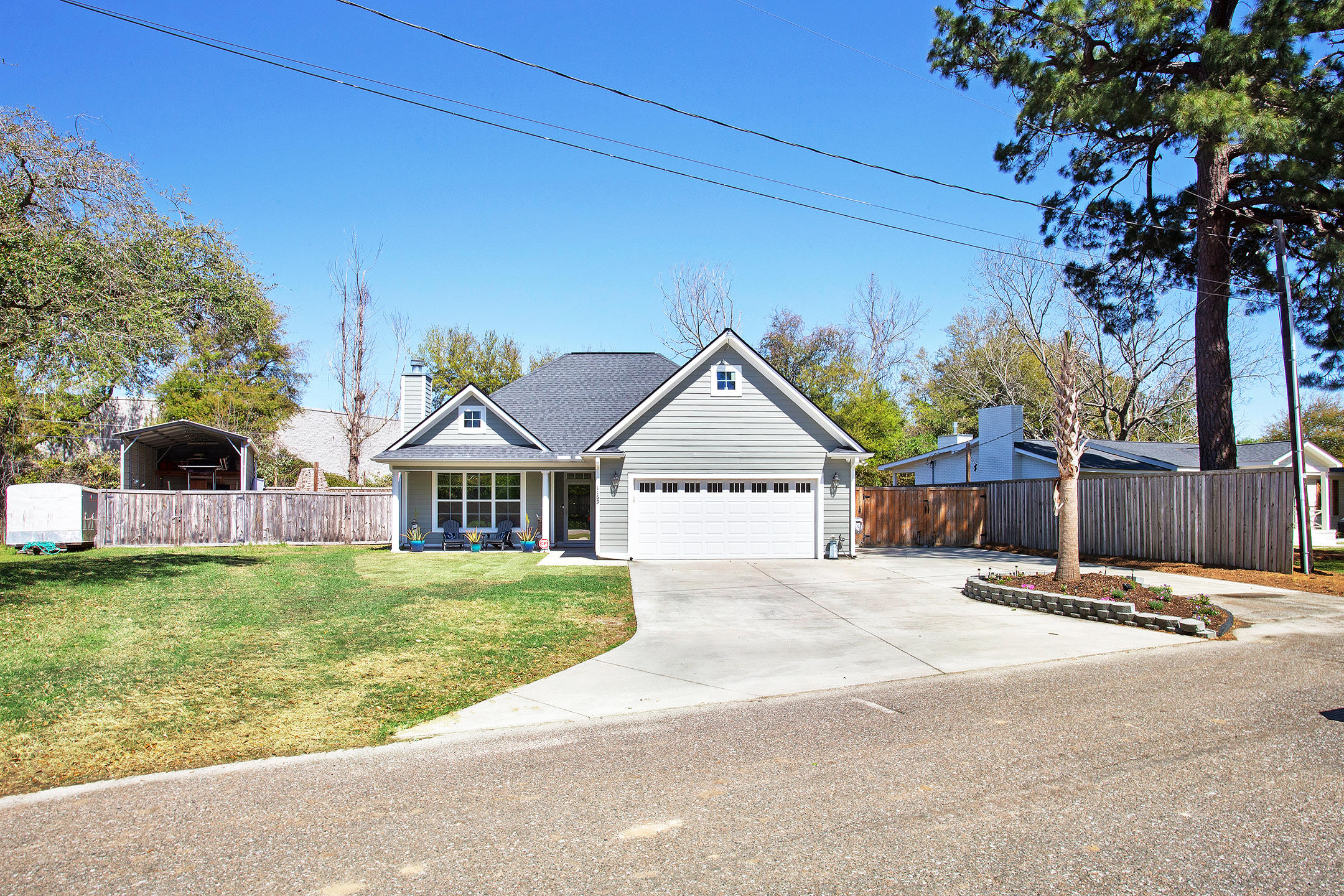 1169 Carter Avenue Mount Pleasant, SC 29464