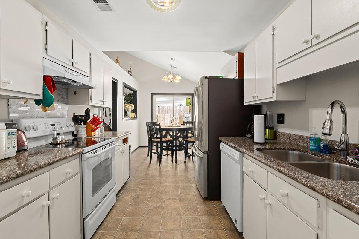 Pepperidge Homes For Sale - 8310 N Ridgebrook Dr, North Charleston, SC - 15