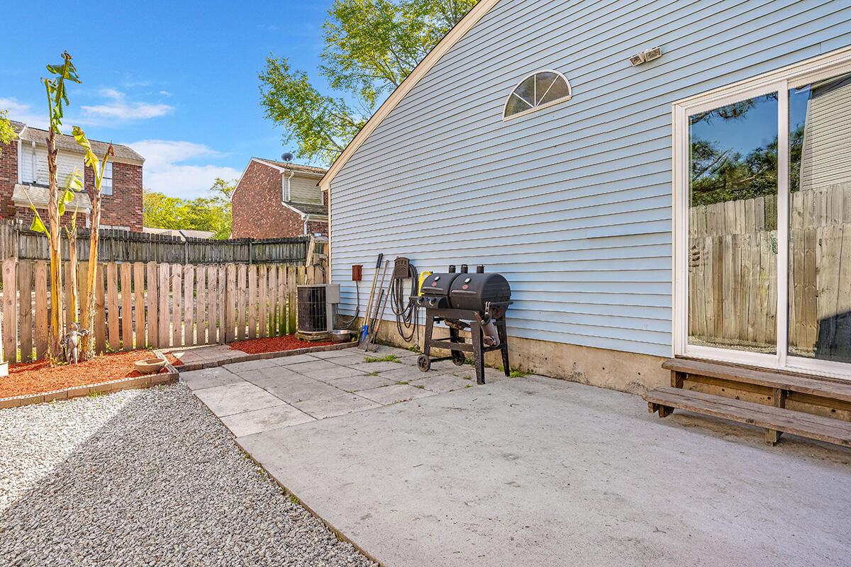 Pepperidge Homes For Sale - 8310 N Ridgebrook Dr, North Charleston, SC - 1
