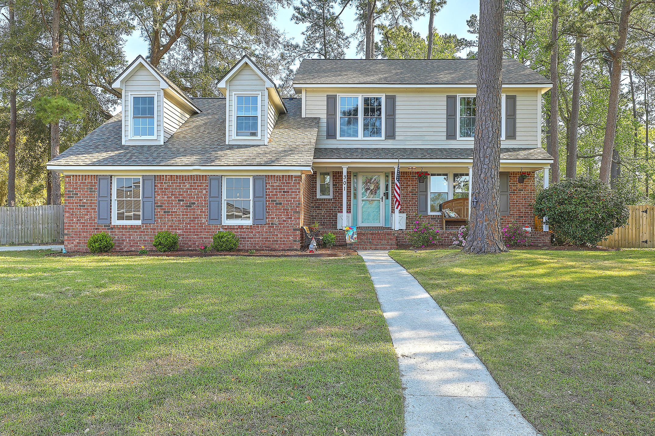 301 Fairington Drive Summerville, SC 29485