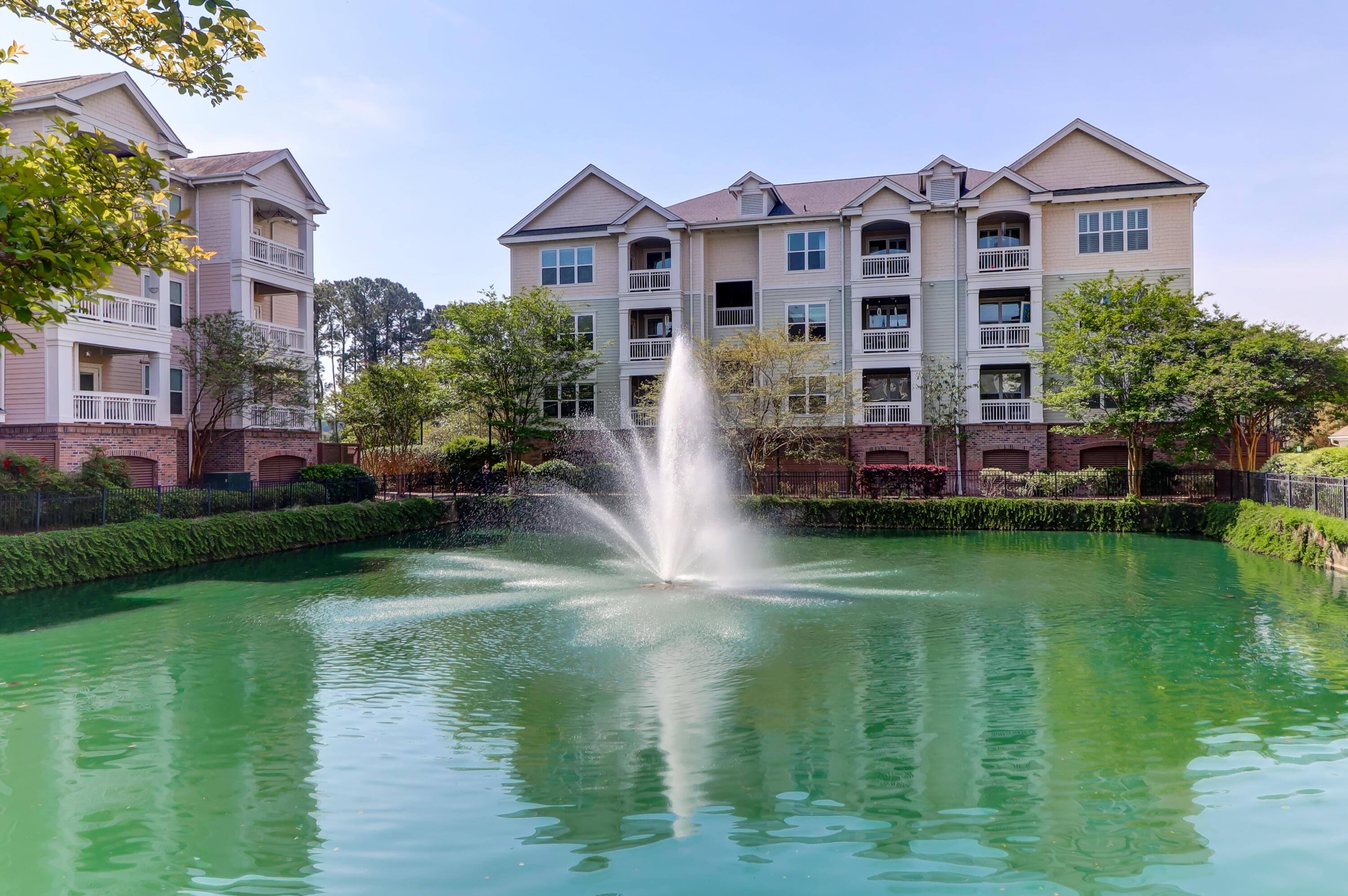 2244 Ashley Crossing Drive UNIT #615 Charleston, SC 29414