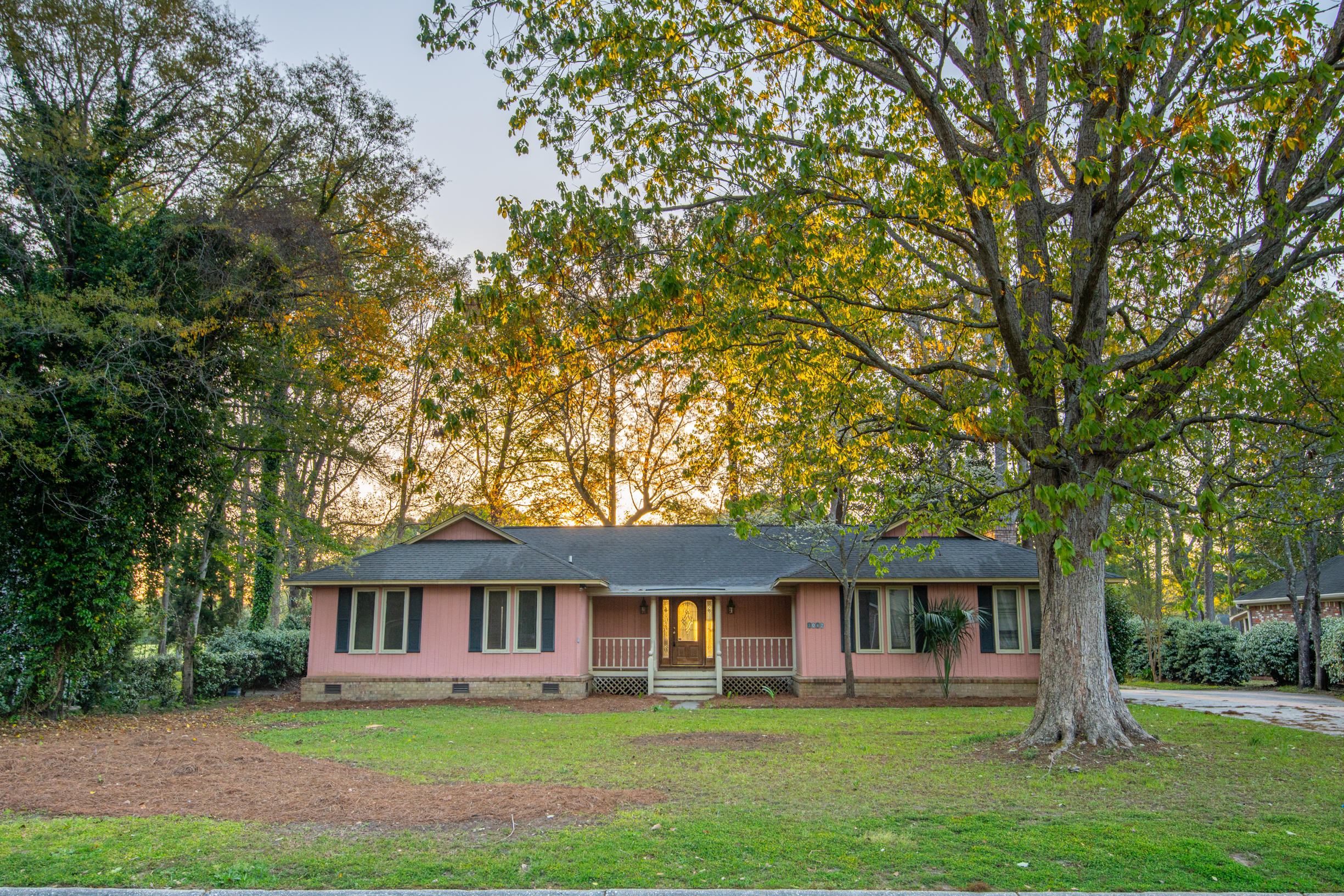 1047 Royalist Road Mount Pleasant, SC 29464