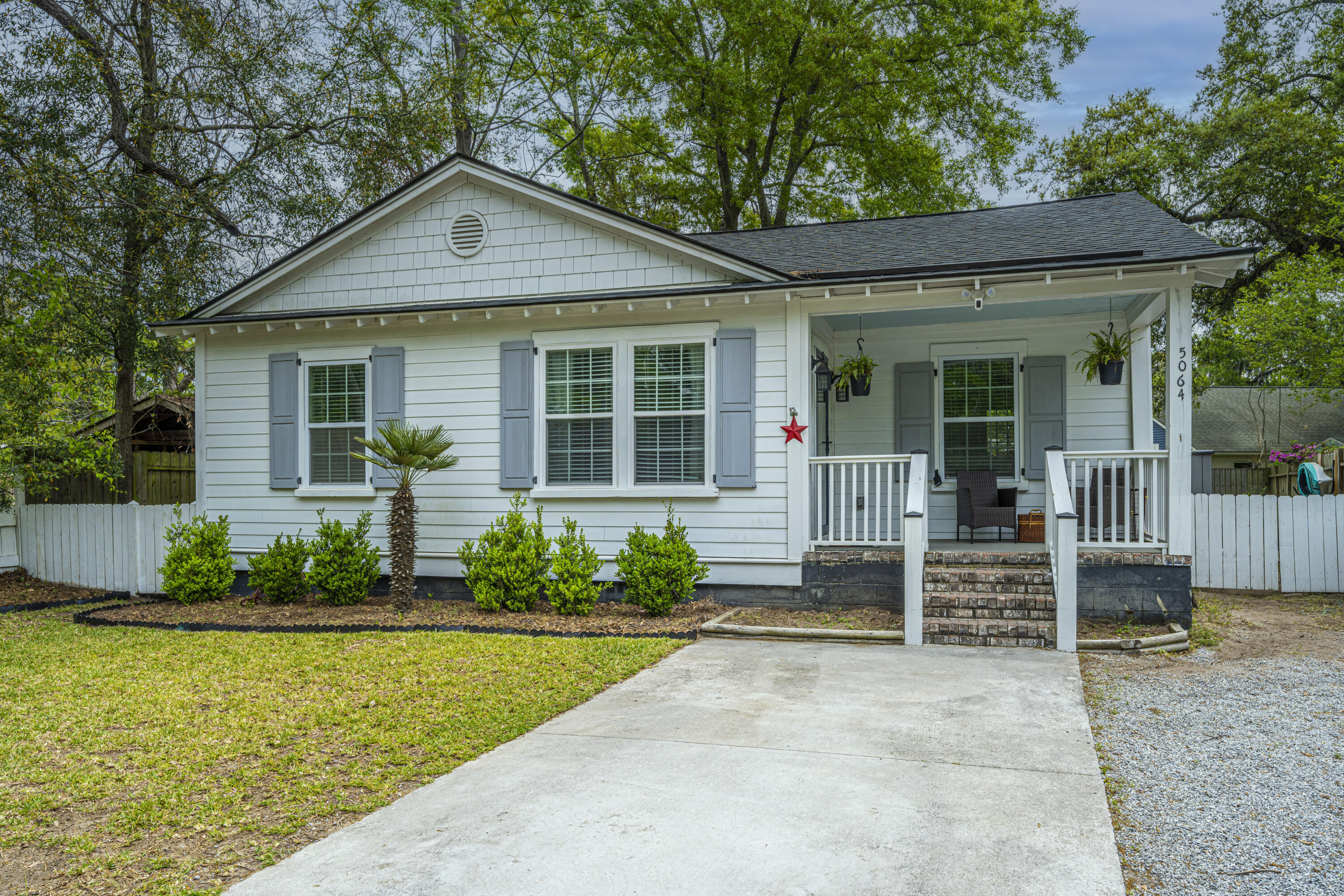 5064 Hyde Avenue North Charleston, SC 29405
