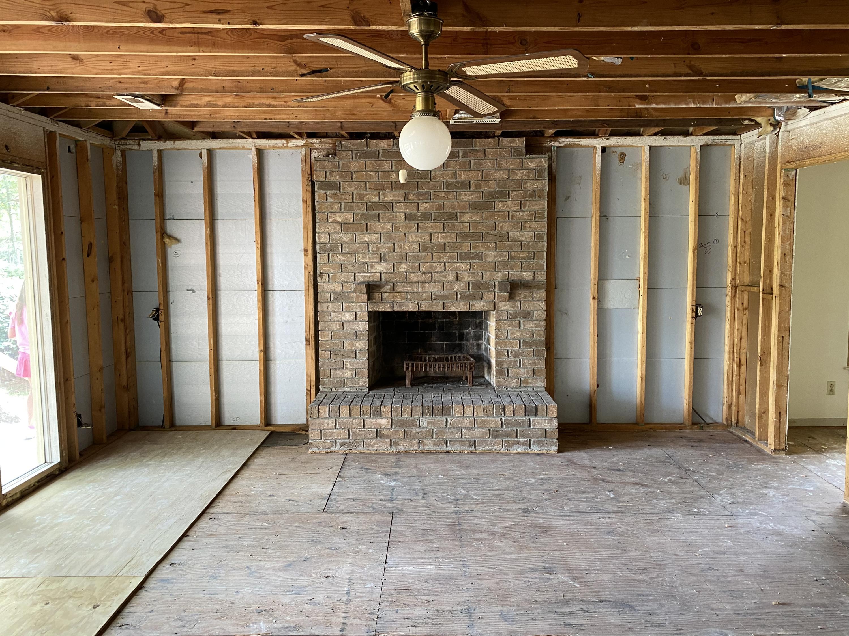 Snee Farm Homes For Sale - 1047 Royalist, Mount Pleasant, SC - 18