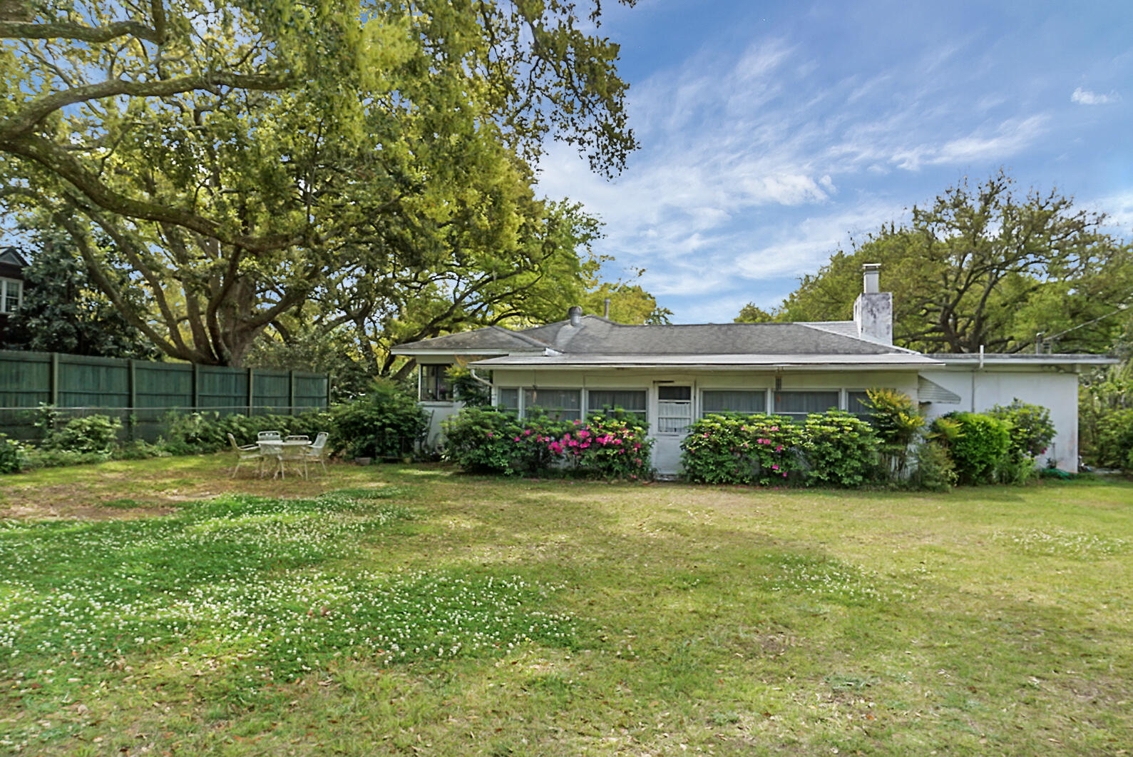 1316 S Edgewater Drive Charleston, SC 29407