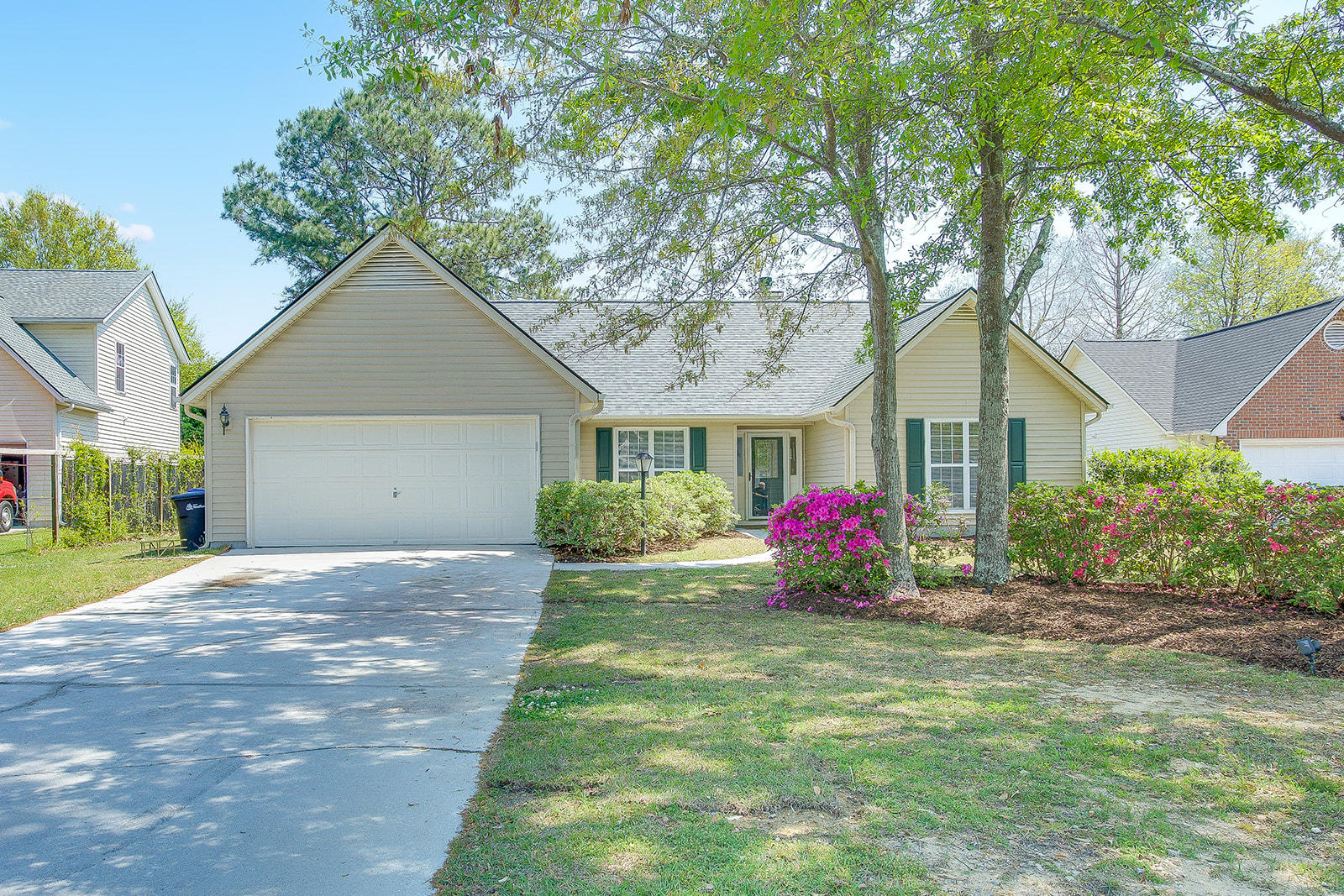 744 Ginglis Way Mount Pleasant, SC 29464