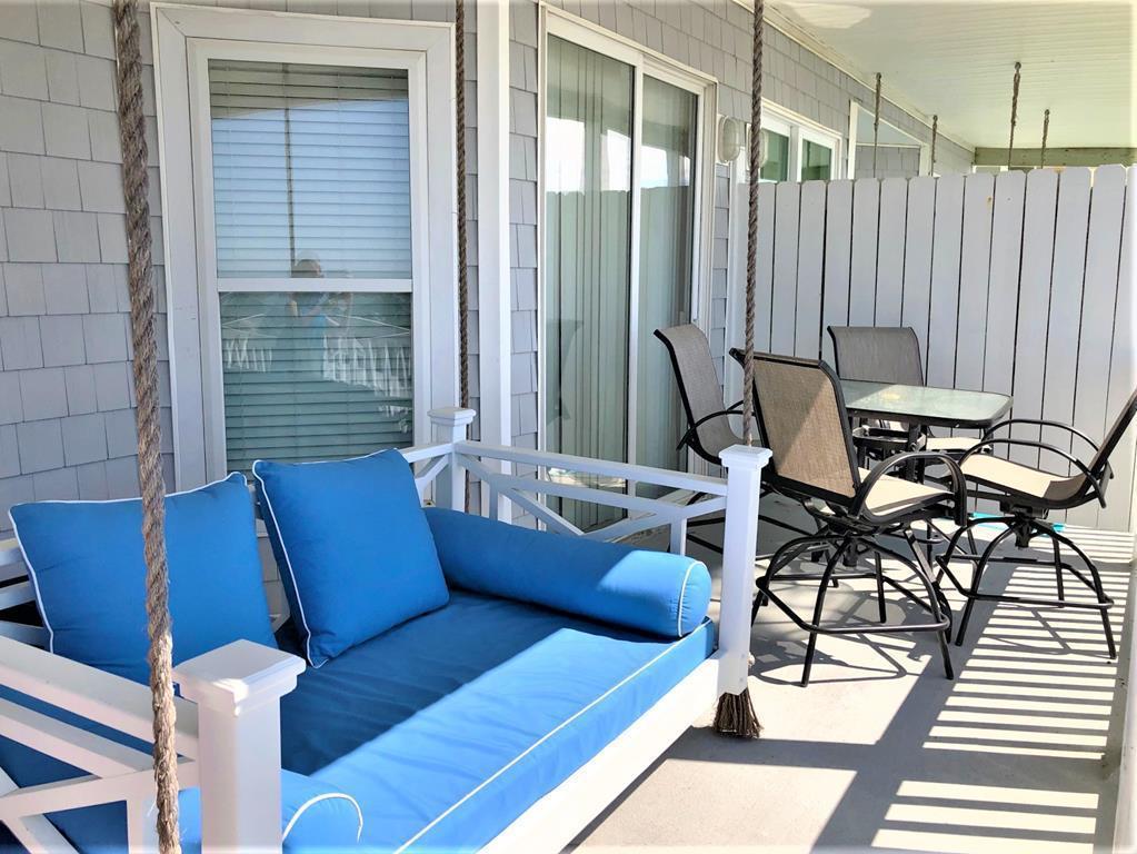 Seaside Villas I Homes For Sale - 111 Arctic, Folly Beach, SC - 15