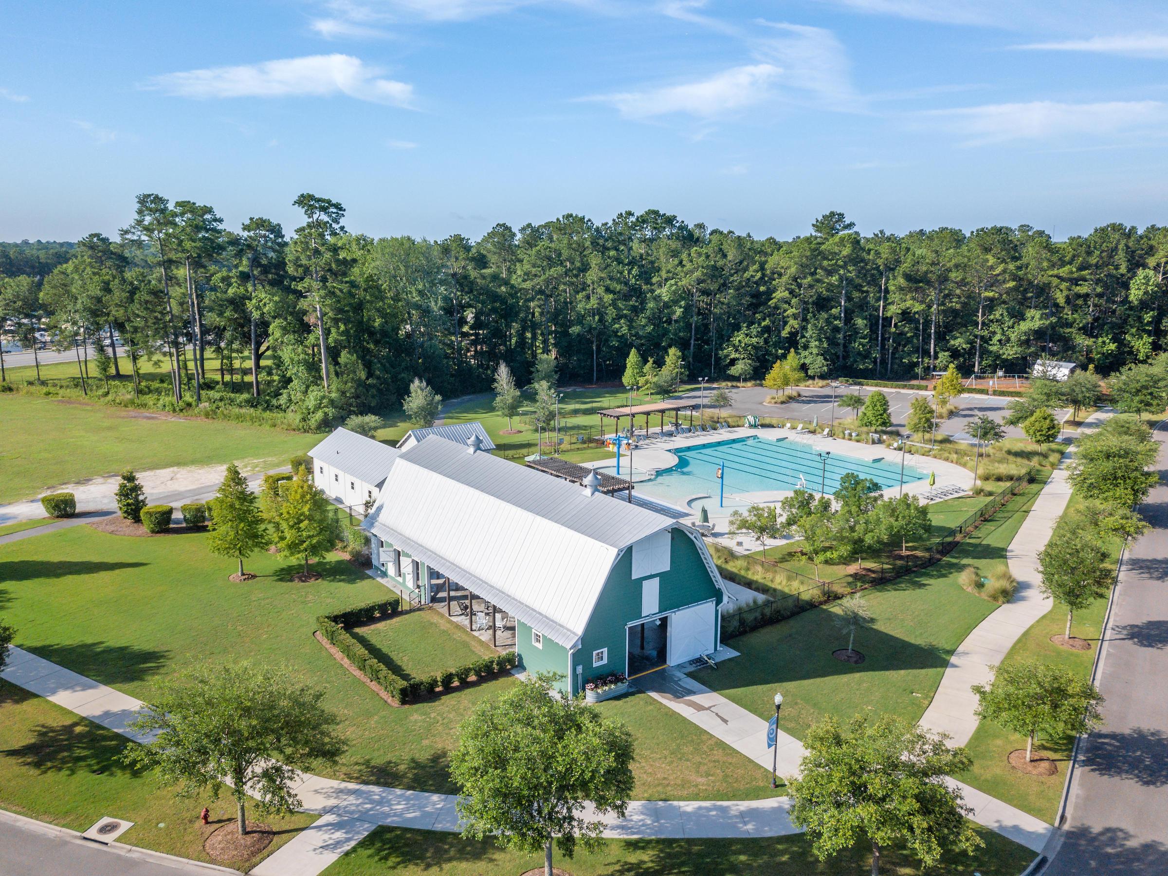 Carnes Crossroads Homes For Sale - 161 Hewitt, Summerville, SC - 29