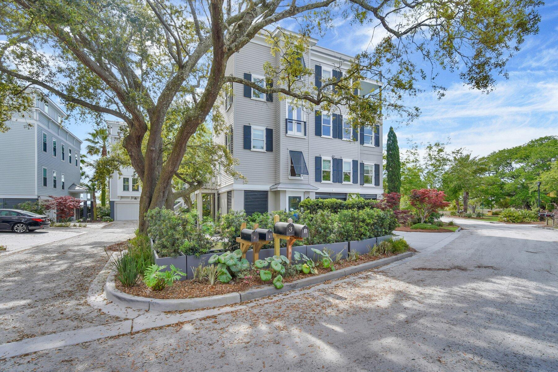1 Old Summer House Road Charleston, SC 29412