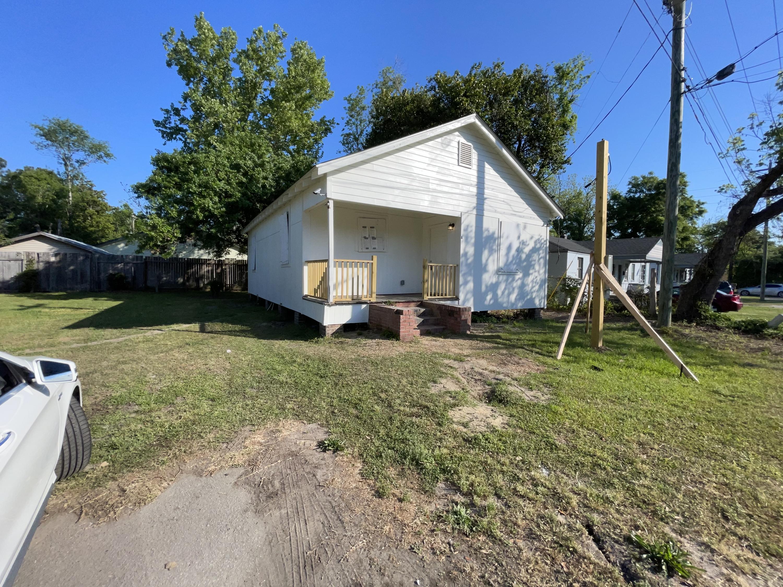 1814 Clement Avenue North Charleston, SC 29405