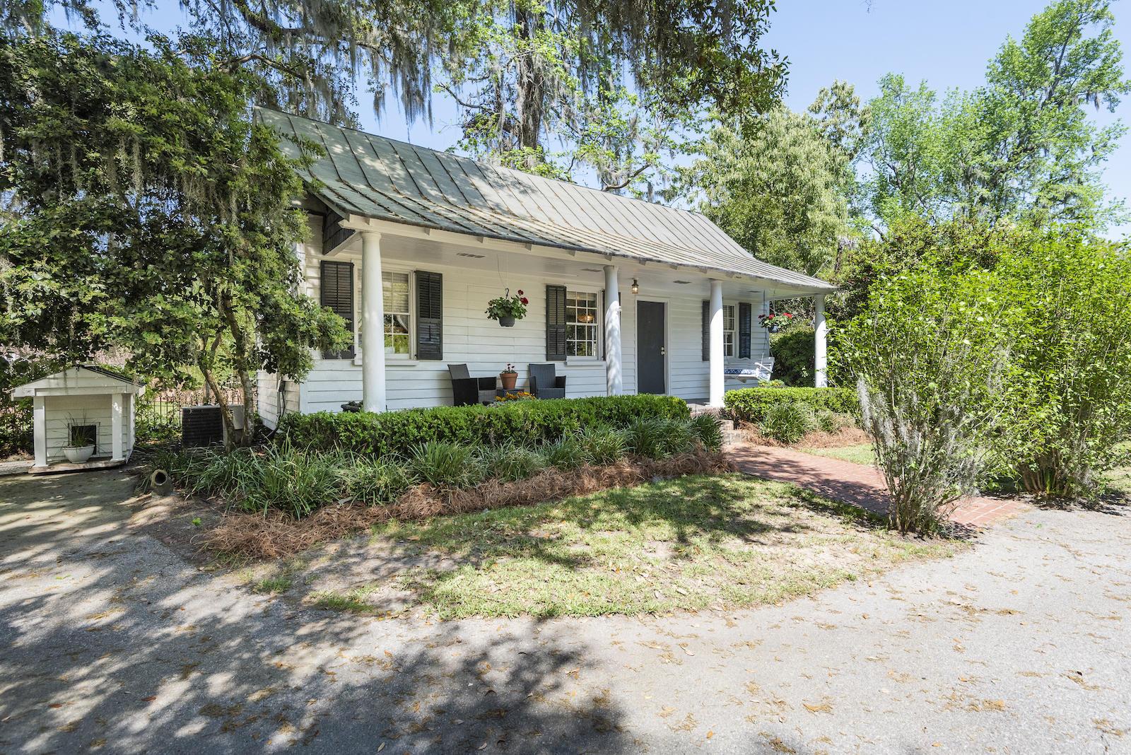 208 Sumter Avenue Summerville, SC 29483