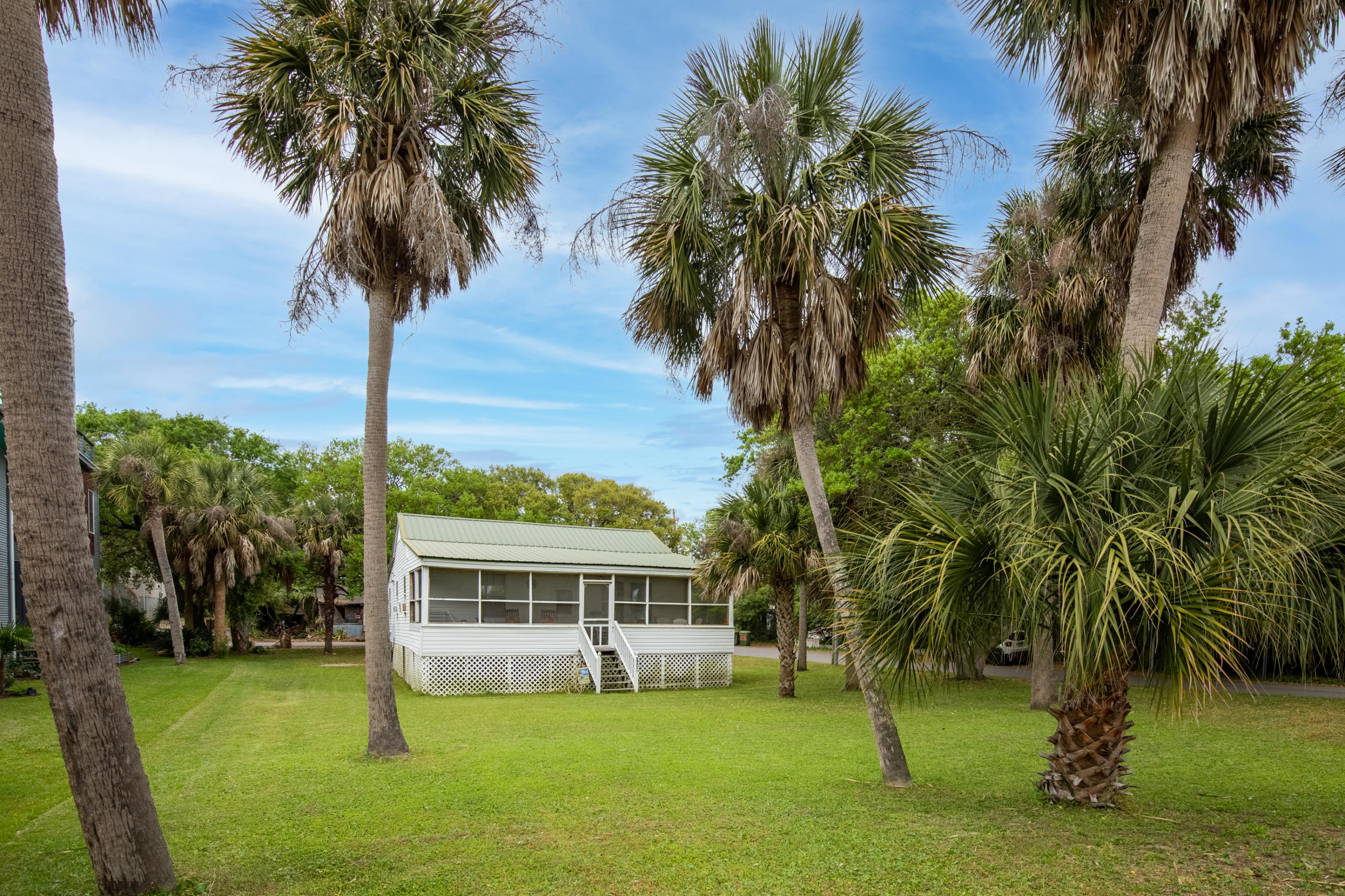 1120 E Ashley Avenue Folly Beach, SC 29439