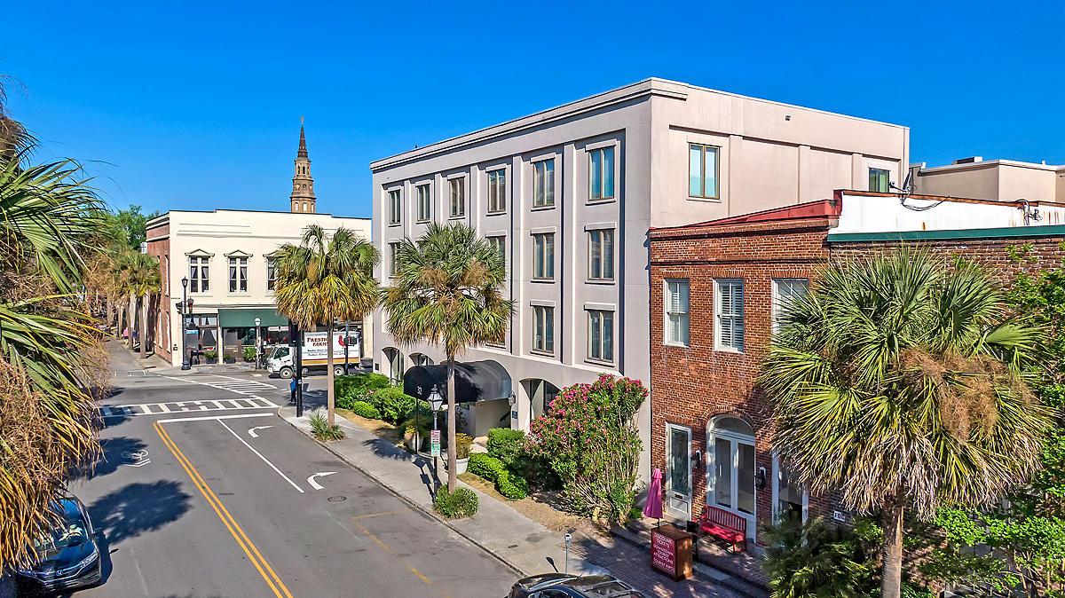 32 Vendue Range UNIT #302 Charleston, SC 29401