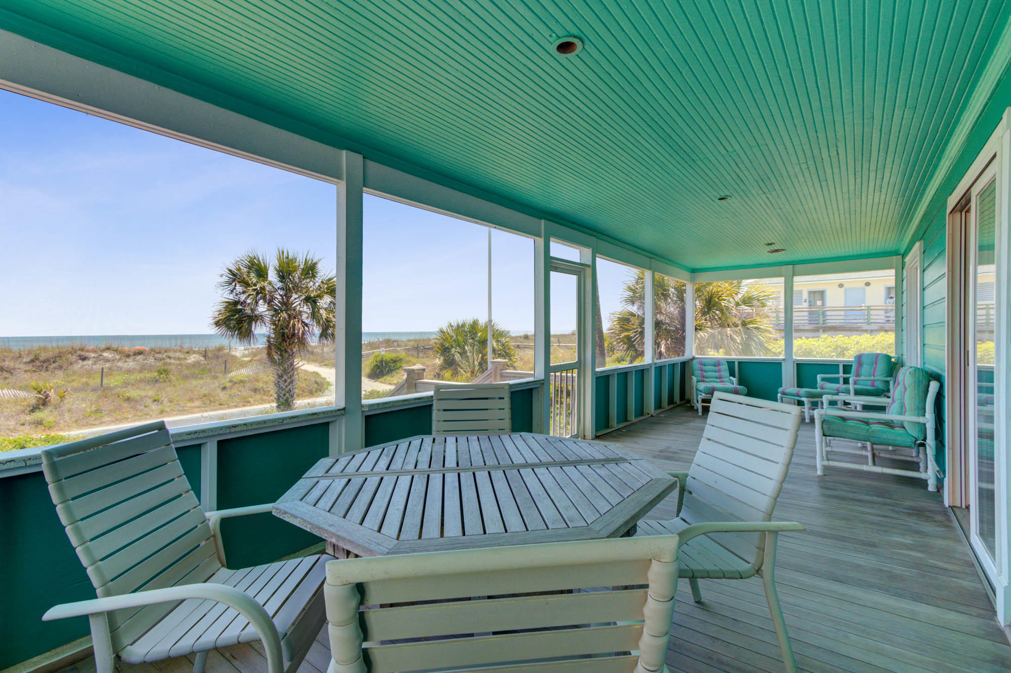 220 W Arctic Avenue Folly Beach, SC 29439