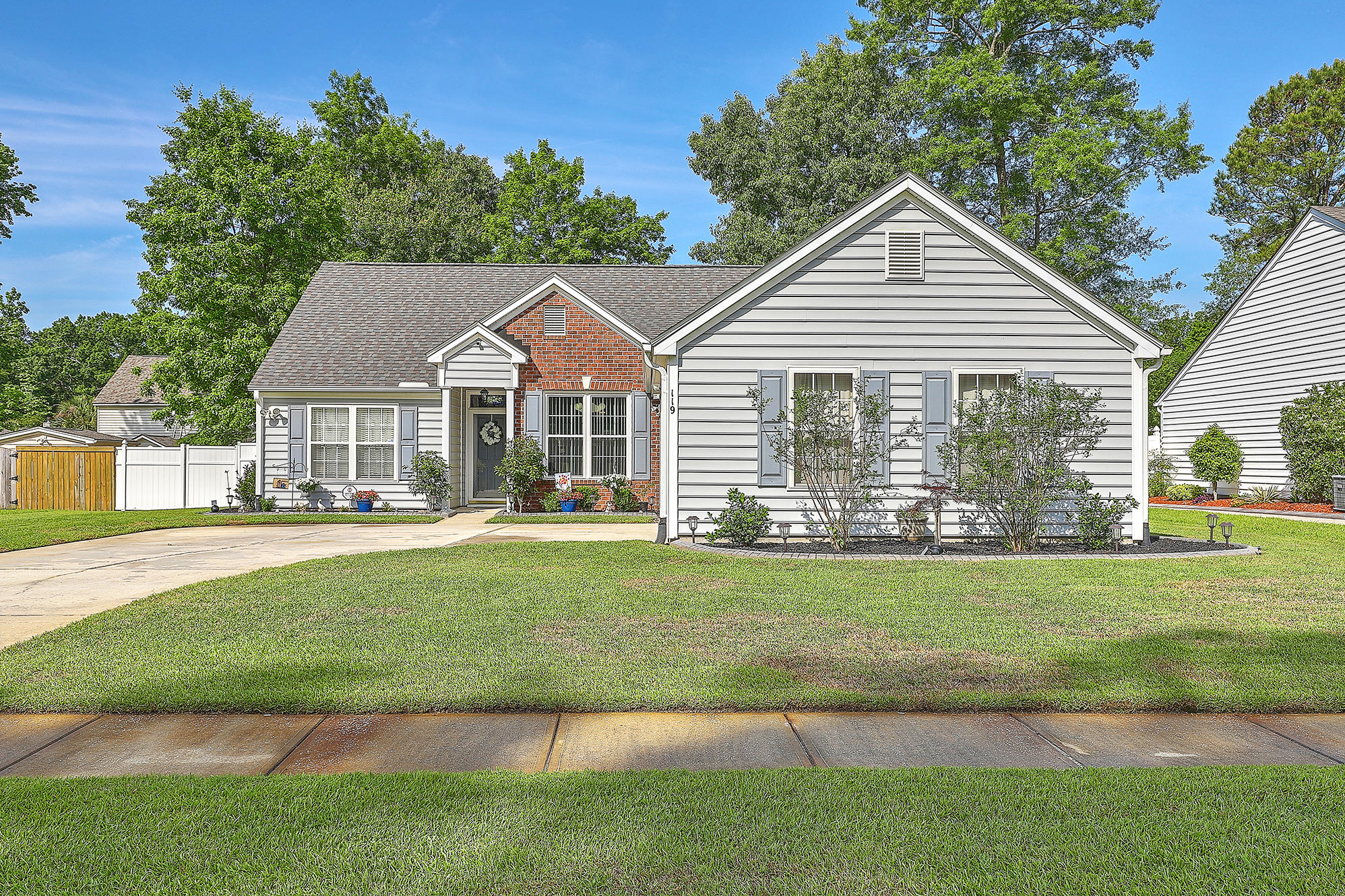 119 Irish Oak Drive Goose Creek, SC 29445