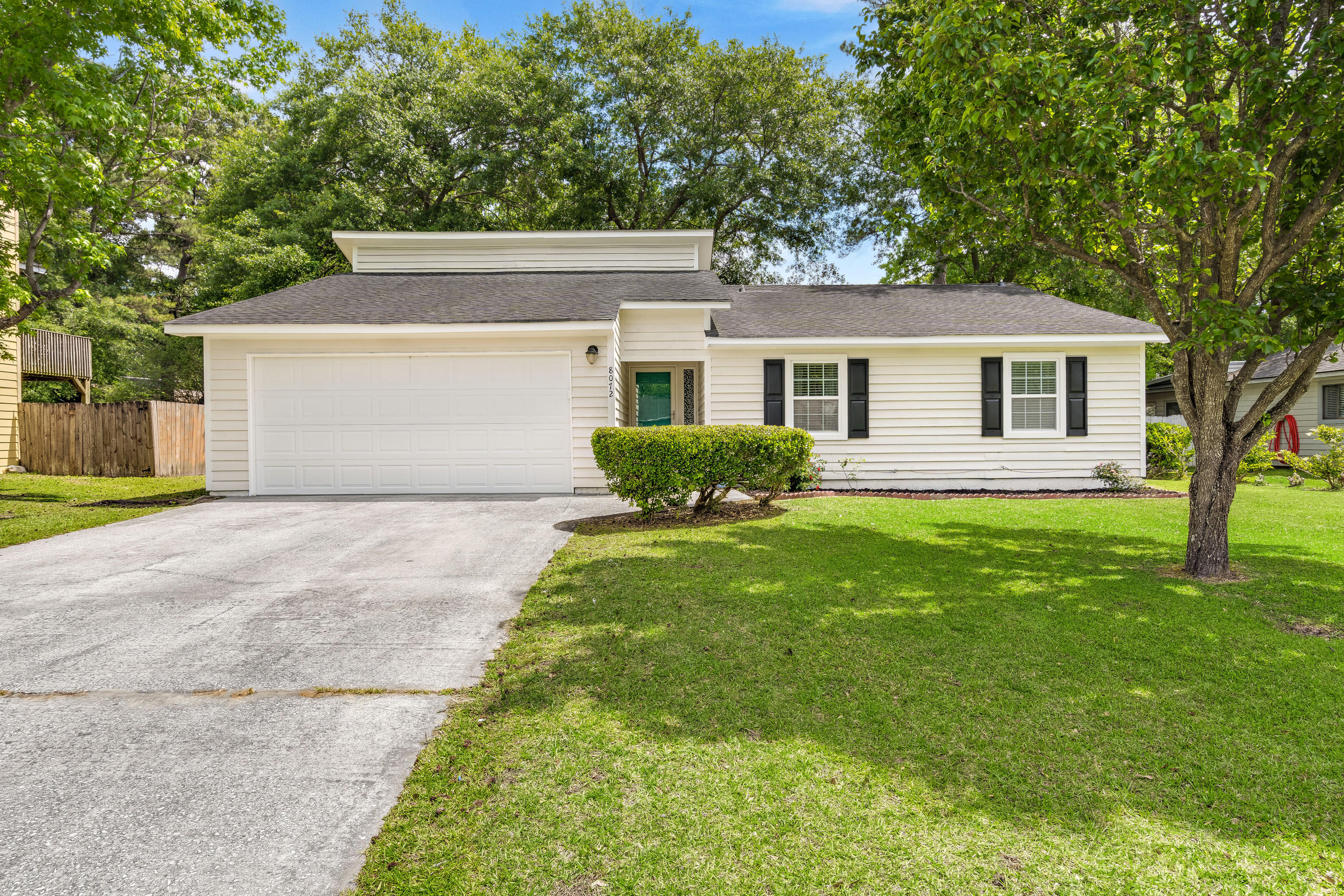 8072 New England Drive North Charleston, SC 29420