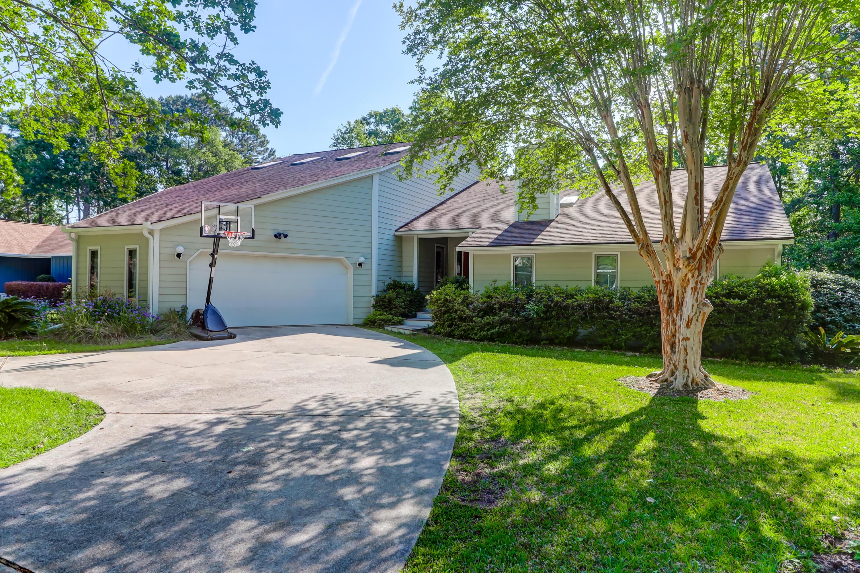 Snee Farm Homes For Sale - 1031 Royalist, Mount Pleasant, SC - 38