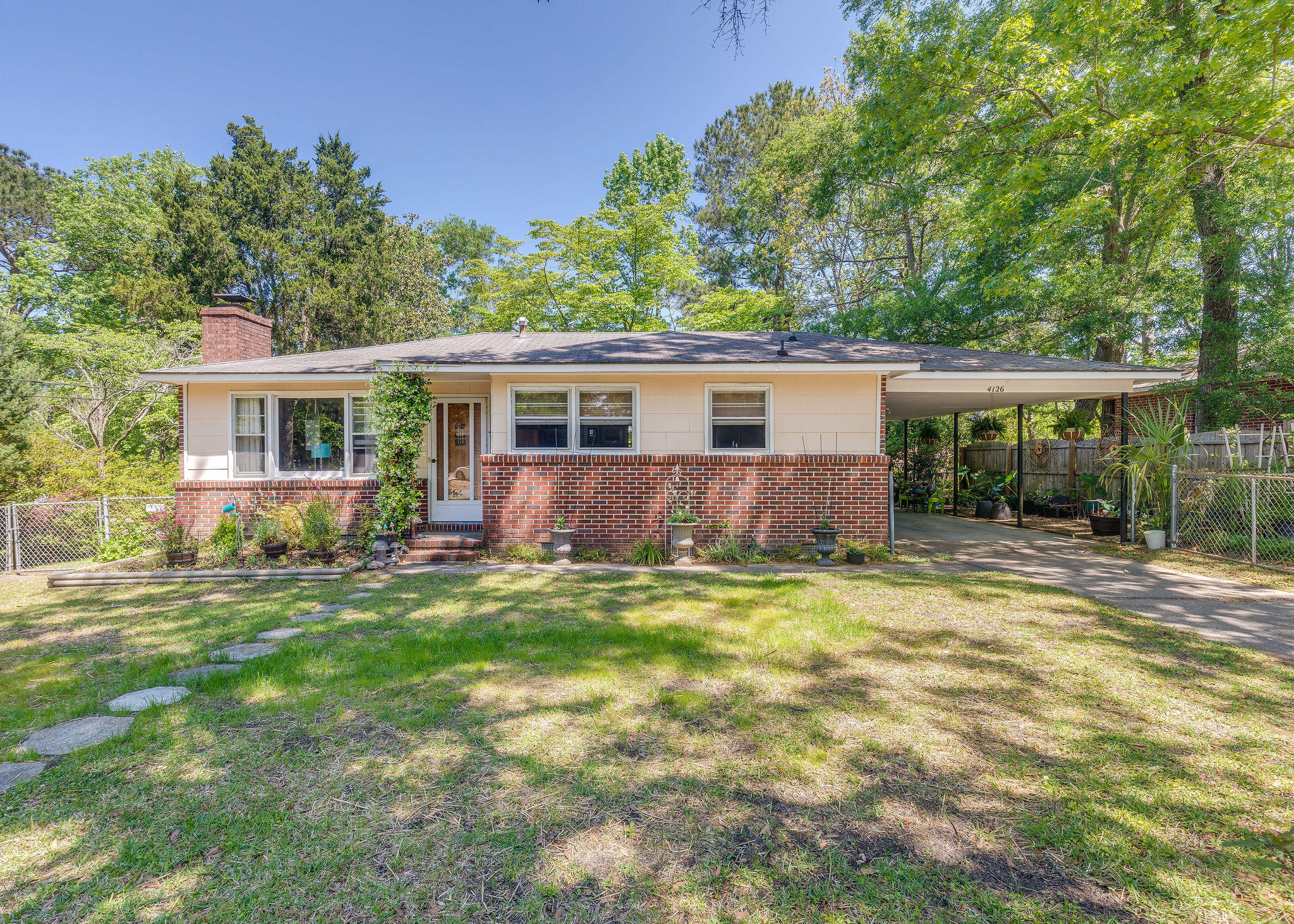 4126 Oakridge Drive North Charleston, SC 29418