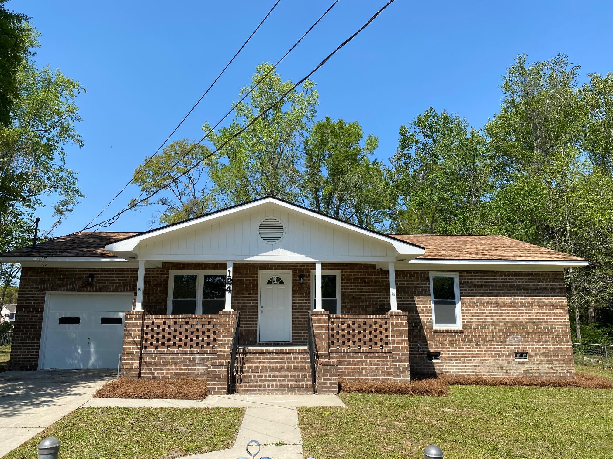 124 Fannie Drive Summerville, SC 29485
