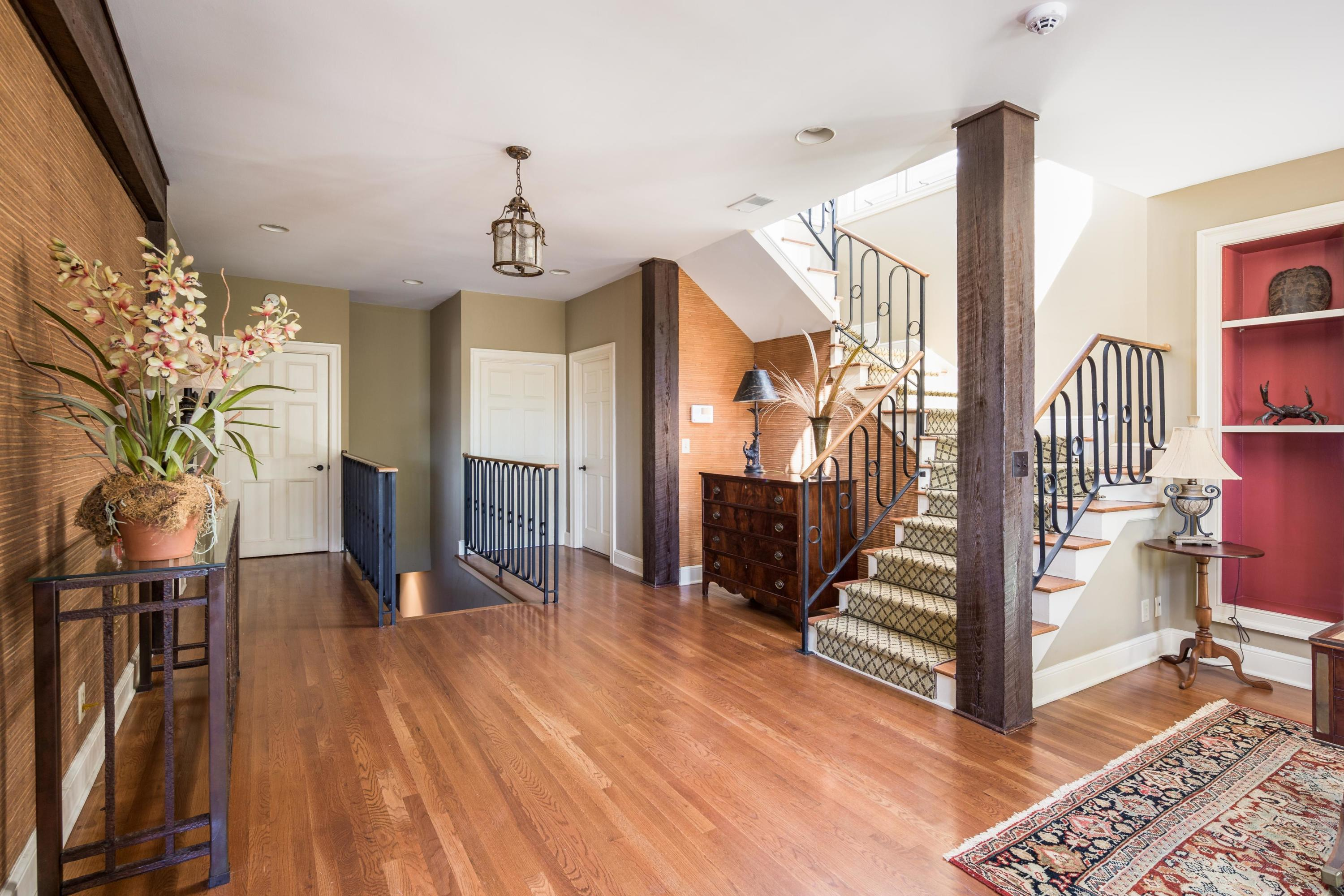 4 Gillon Charleston, SC 29401
