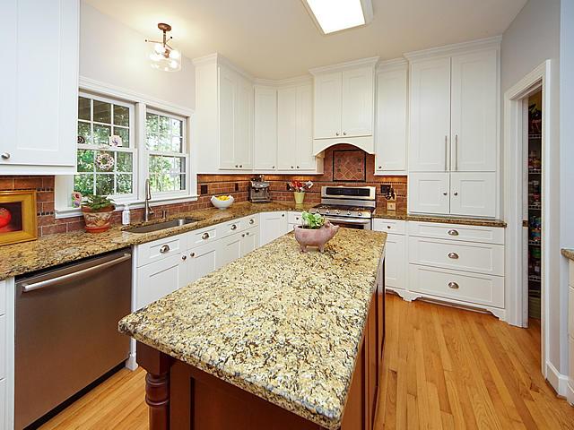 Parrot Bluff Homes For Sale - 711 Walkers Landing, Charleston, SC - 20