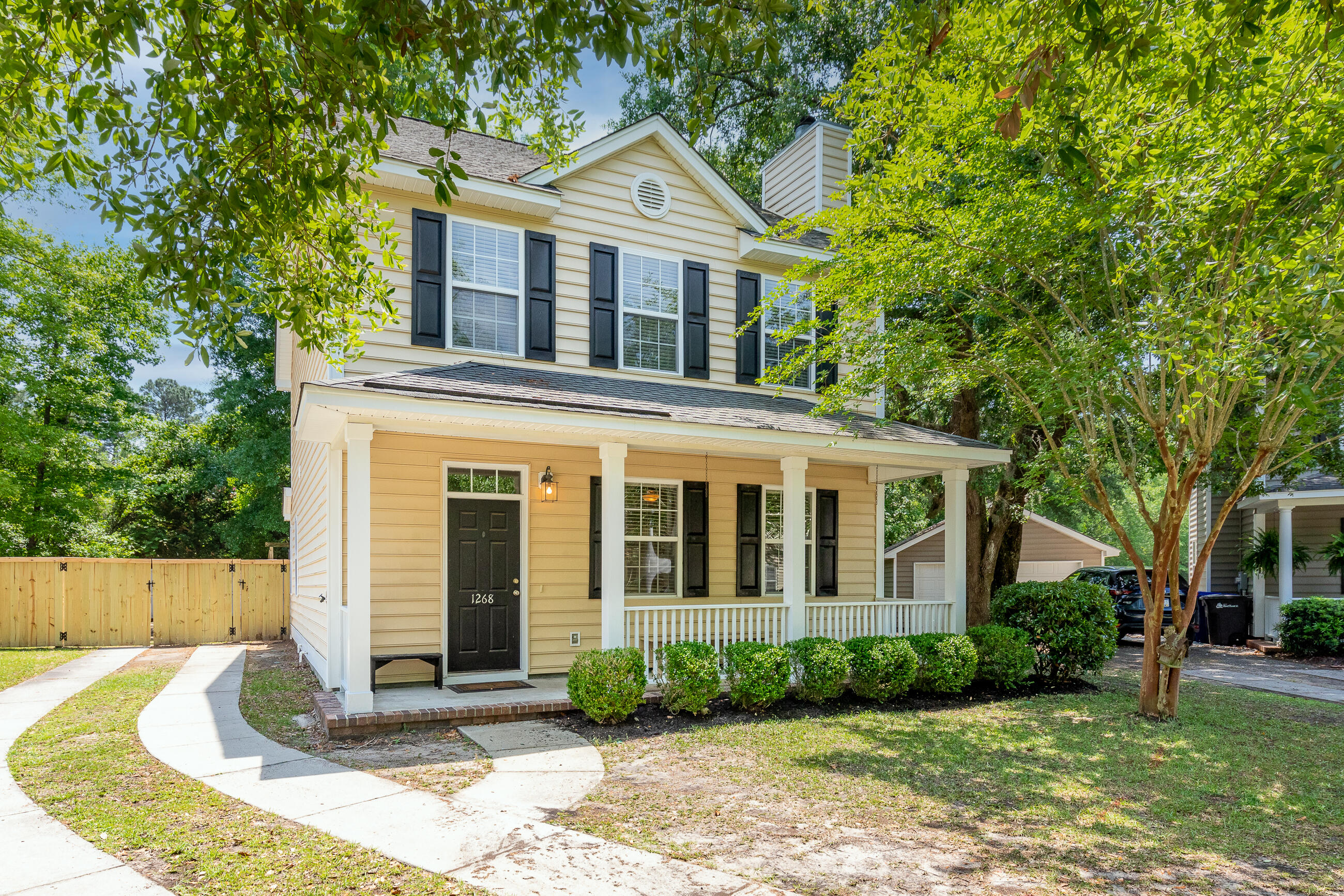 1268 Fallen Oak Drive Mount Pleasant, SC 29466