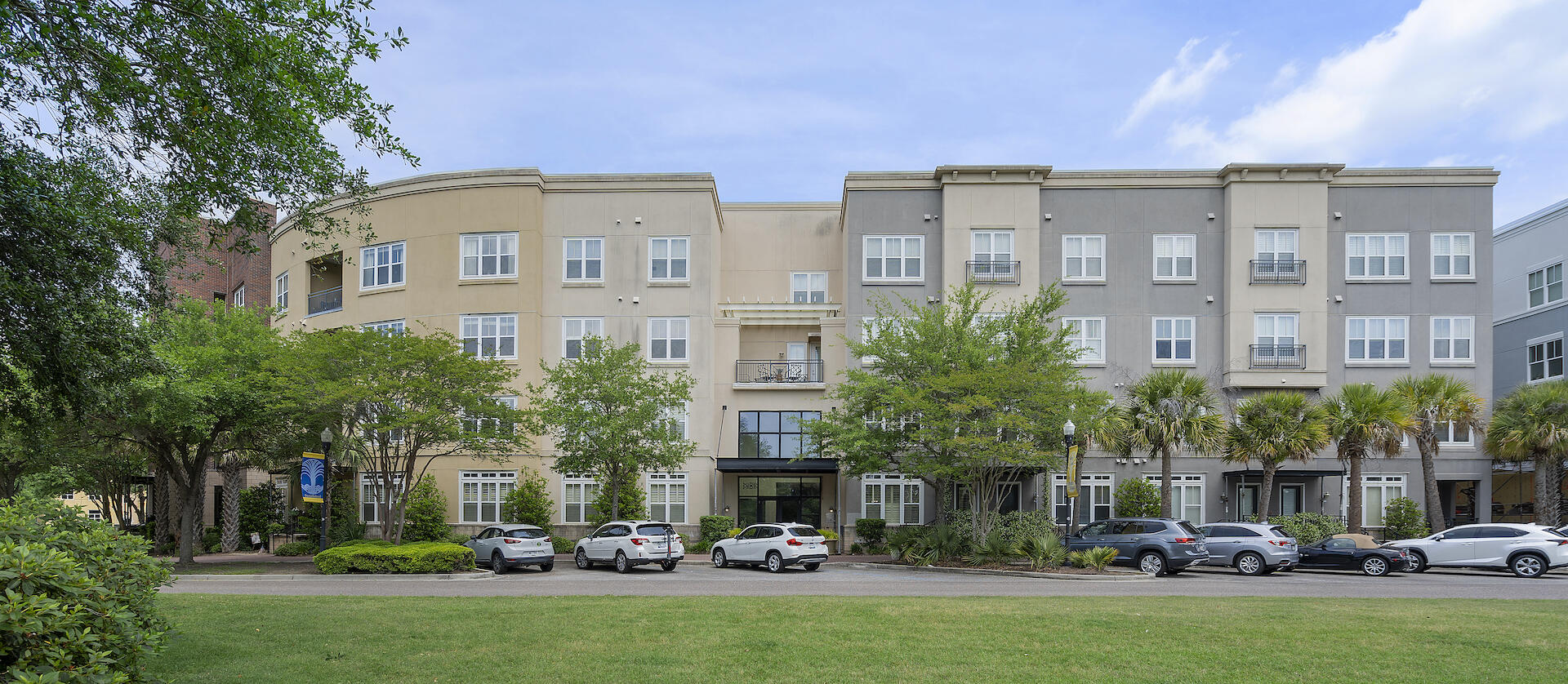 200 River Landing Drive UNIT B205 Charleston, SC 29492