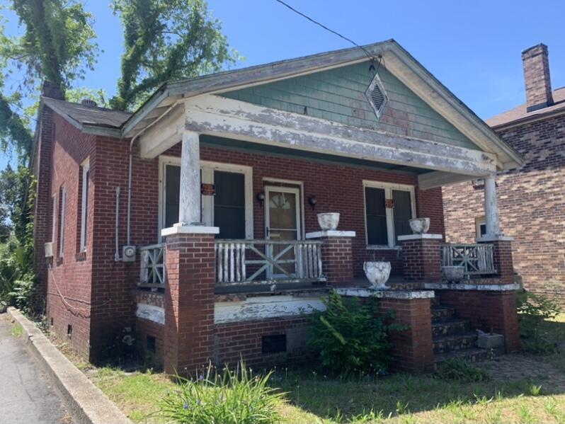 323 Huger Street Charleston, SC 29403