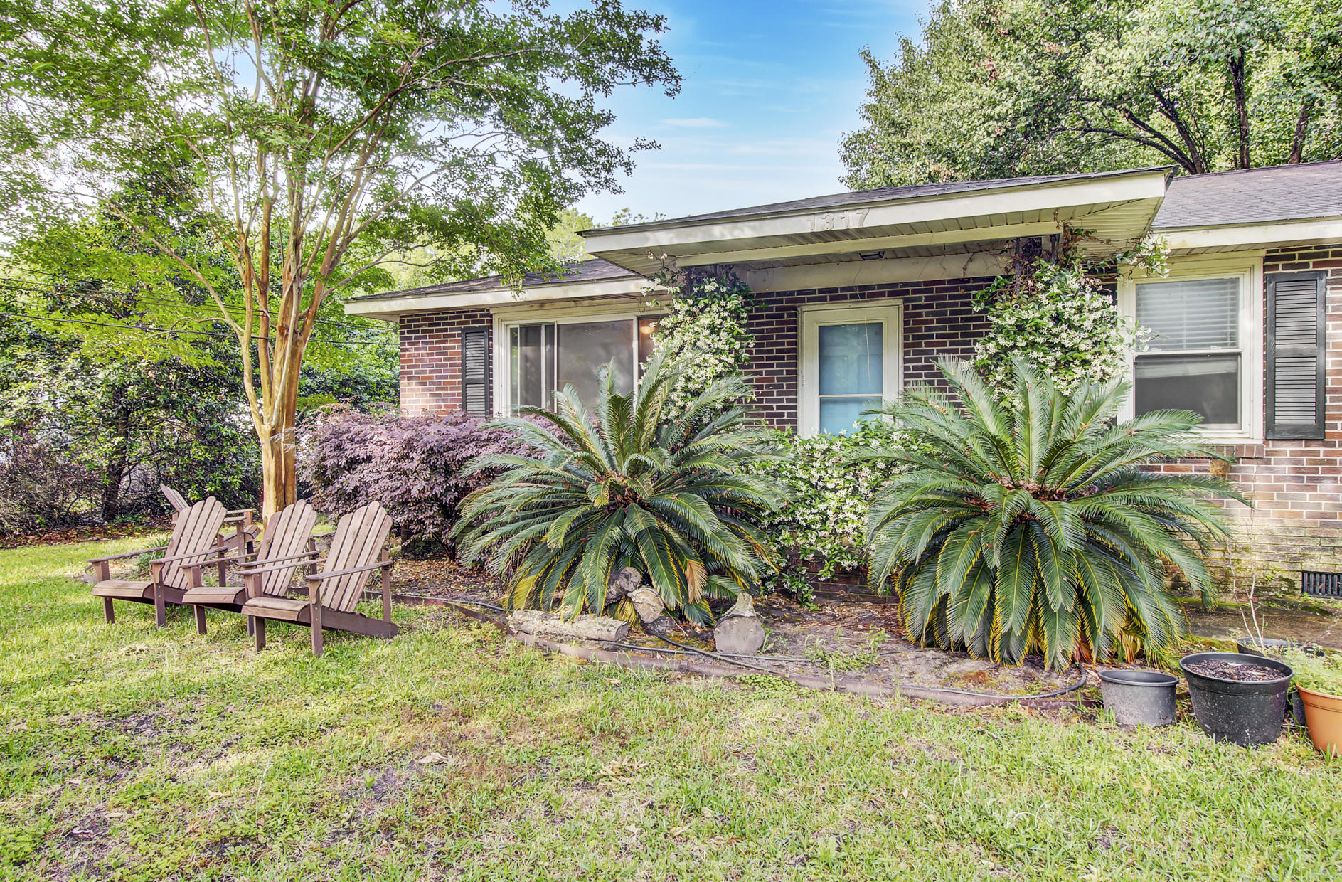 1317 Jeffords Street Charleston, SC 29412