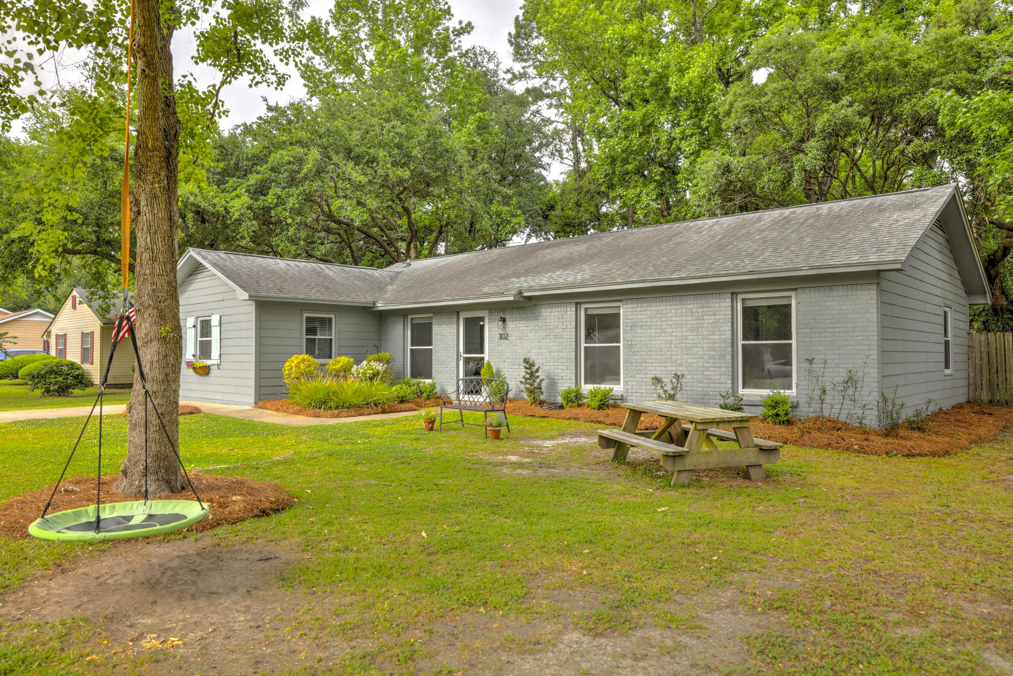 302 E E Shore Lane Charleston, SC 29407