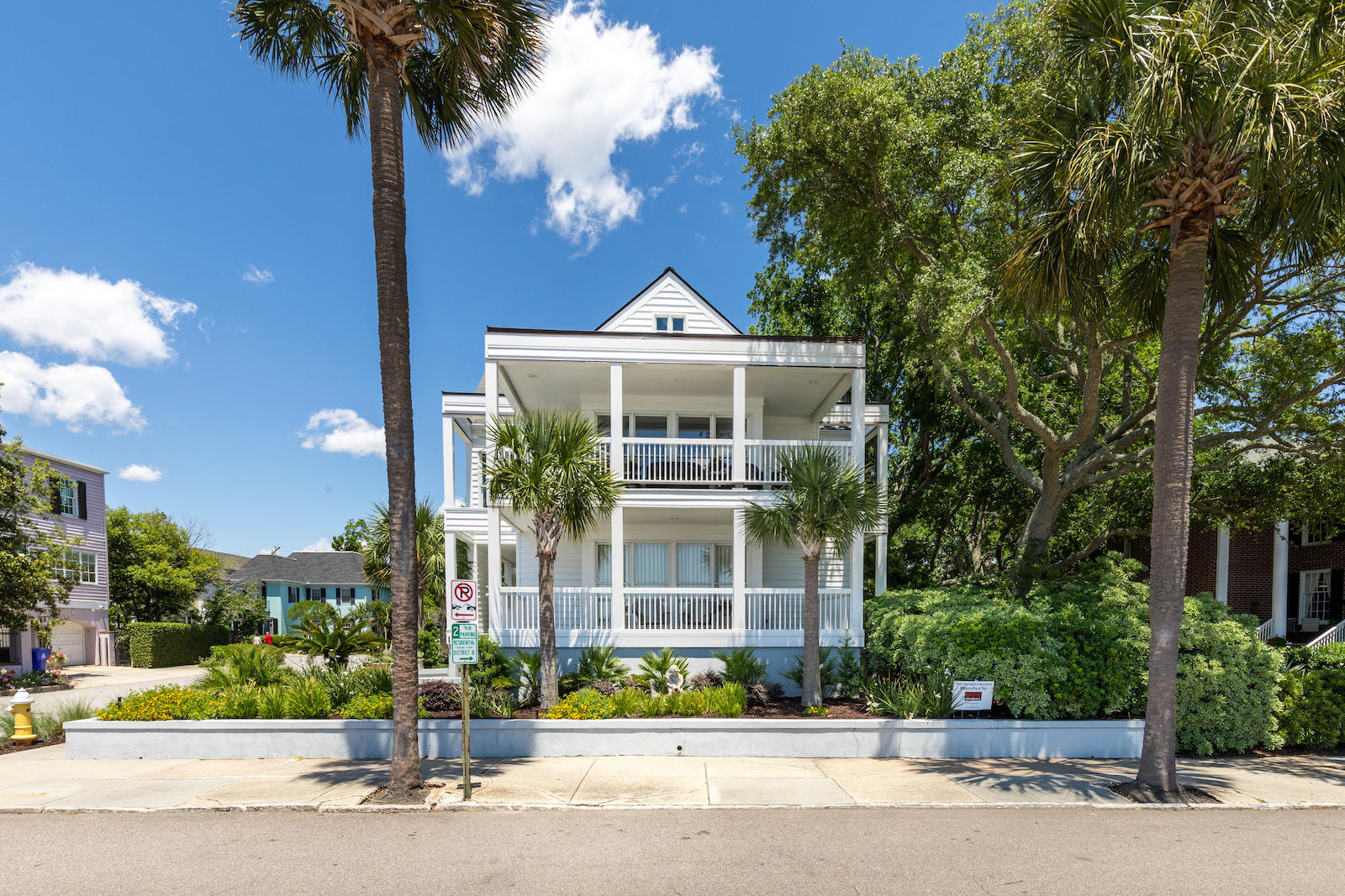16 Murray Boulevard Charleston, SC 29401