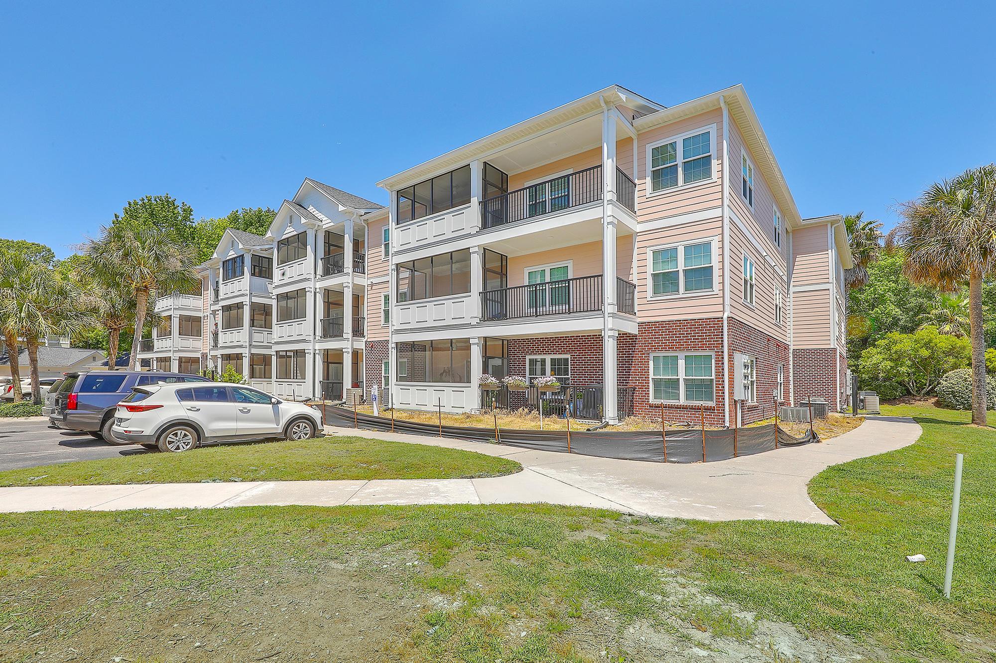 1025 Riverland Woods Place UNIT #211 Charleston, SC 29412