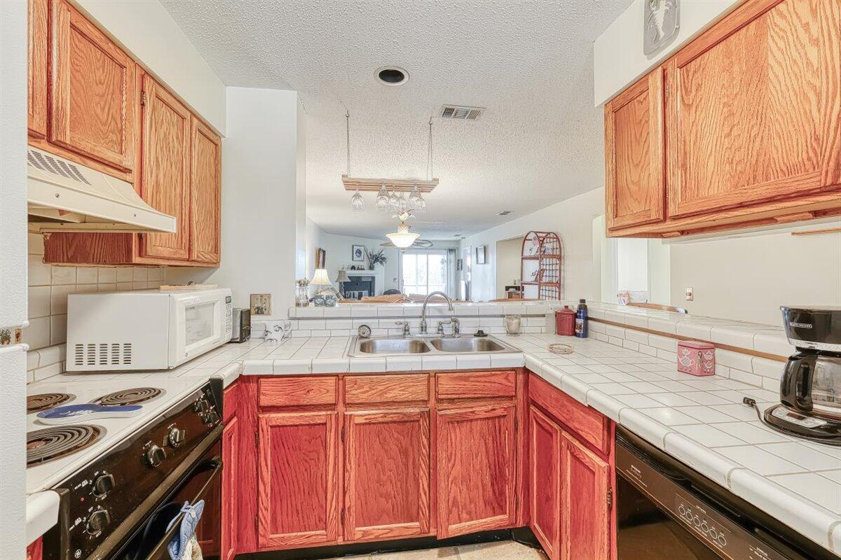 Mariners Cay Homes For Sale - 24 Mariners Cay, Folly Beach, SC - 16
